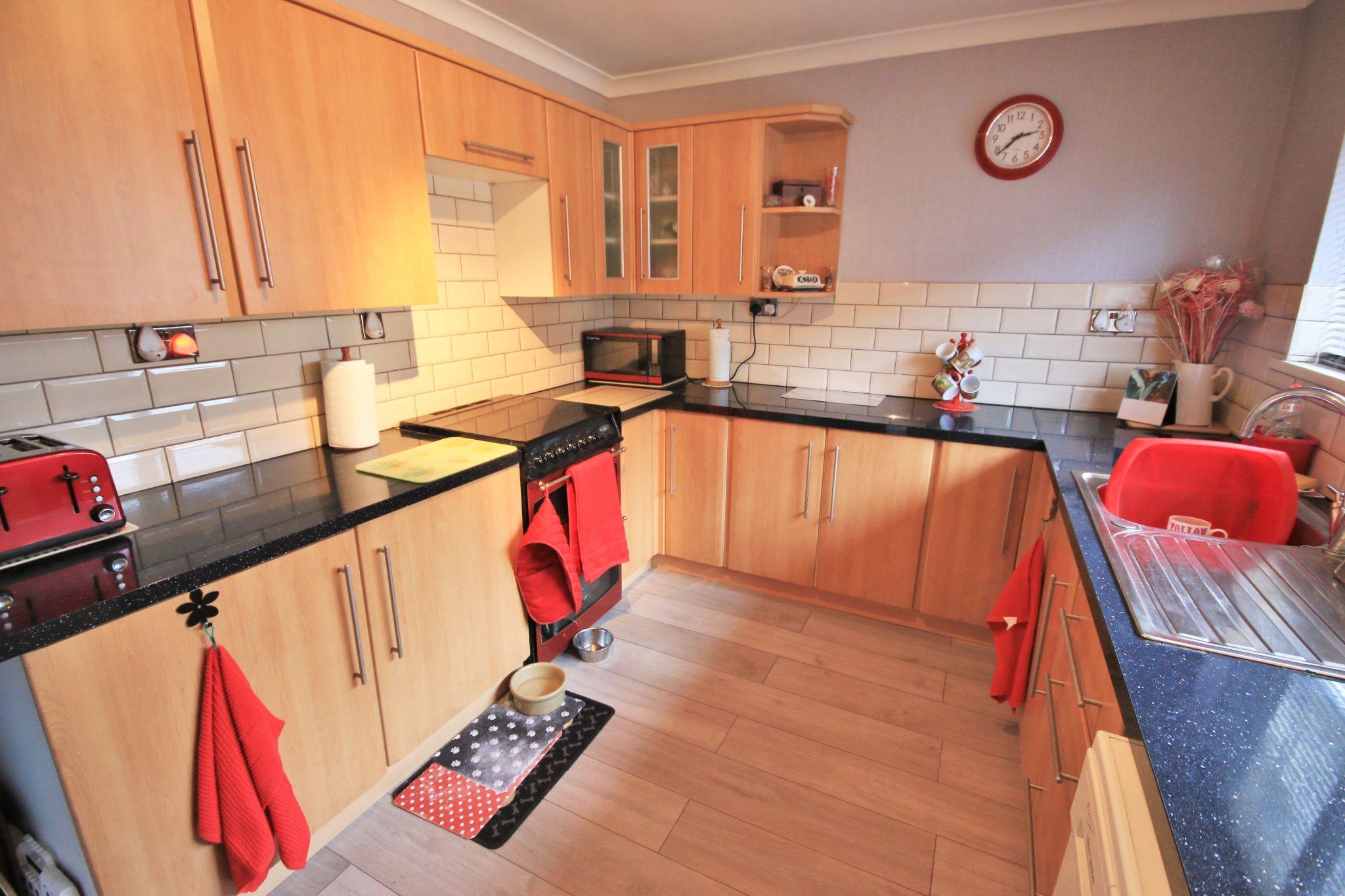 3 Bedroom Detached Bungalow For Sale - Photograph 5