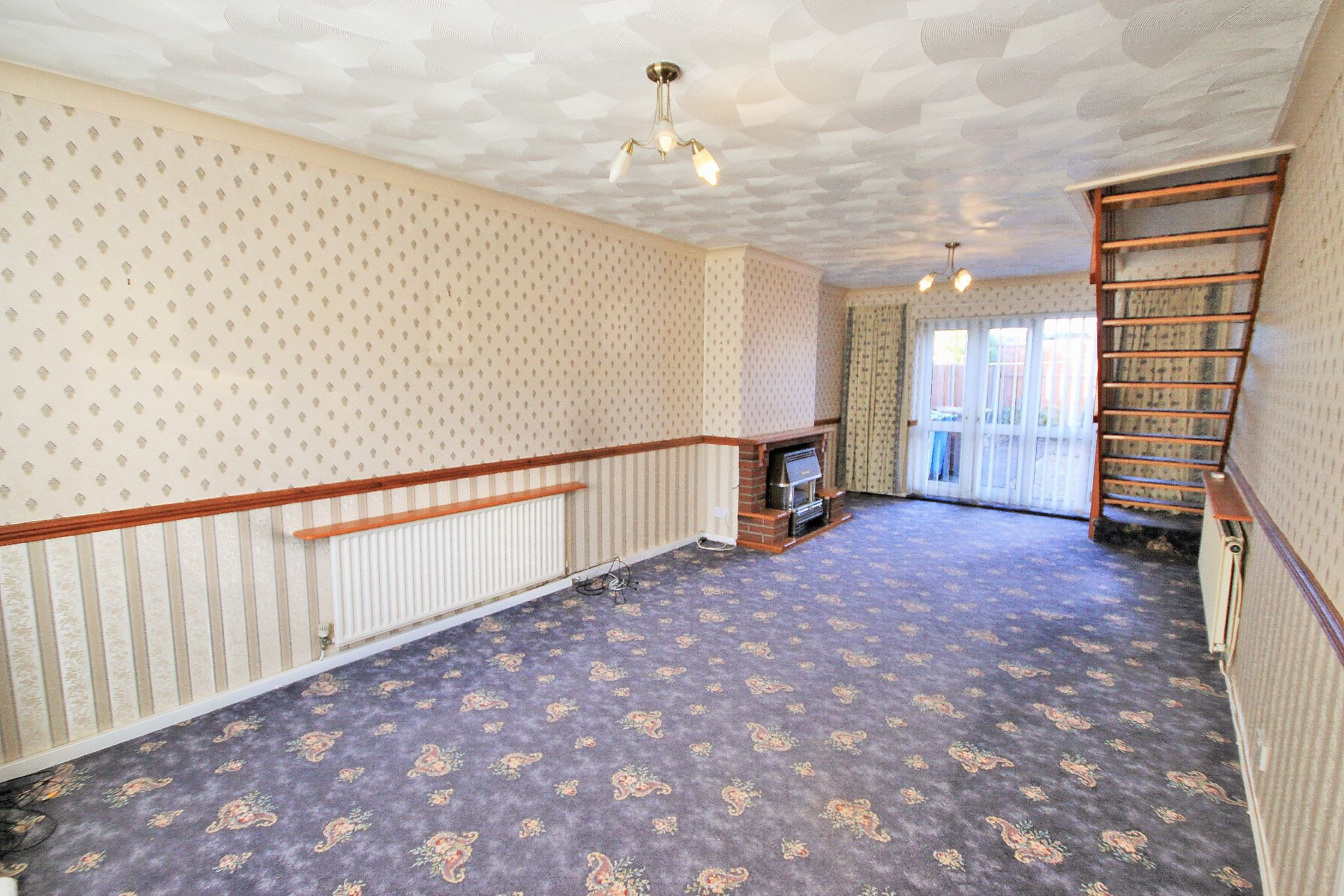 2 Bedroom Semi-detached Bungalow For Sale - Photograph 2