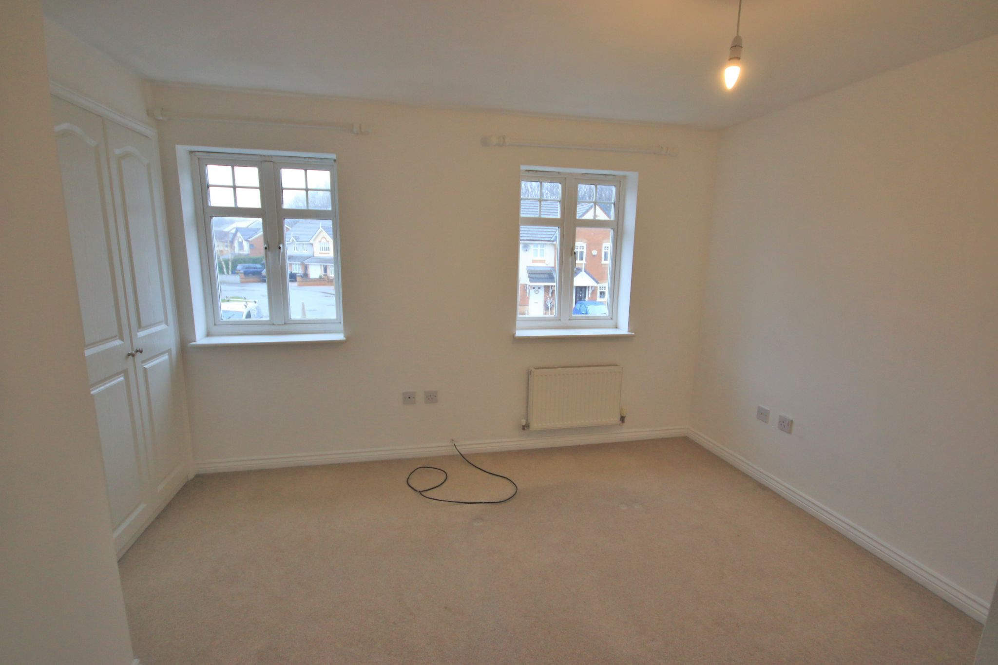 3 Bedroom Mews House To Rent - Photograph 6