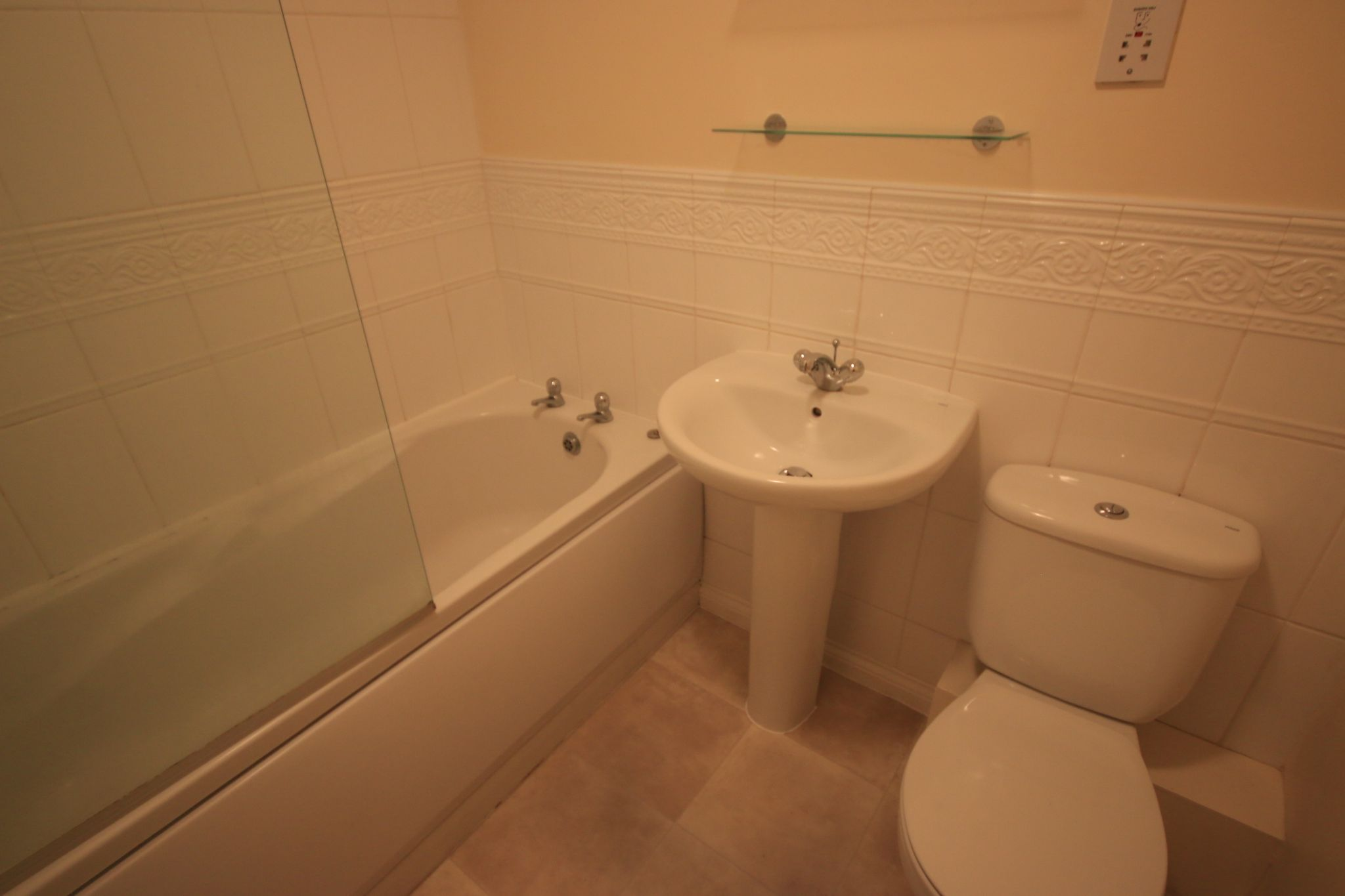 3 Bedroom Mews House To Rent - Photograph 9