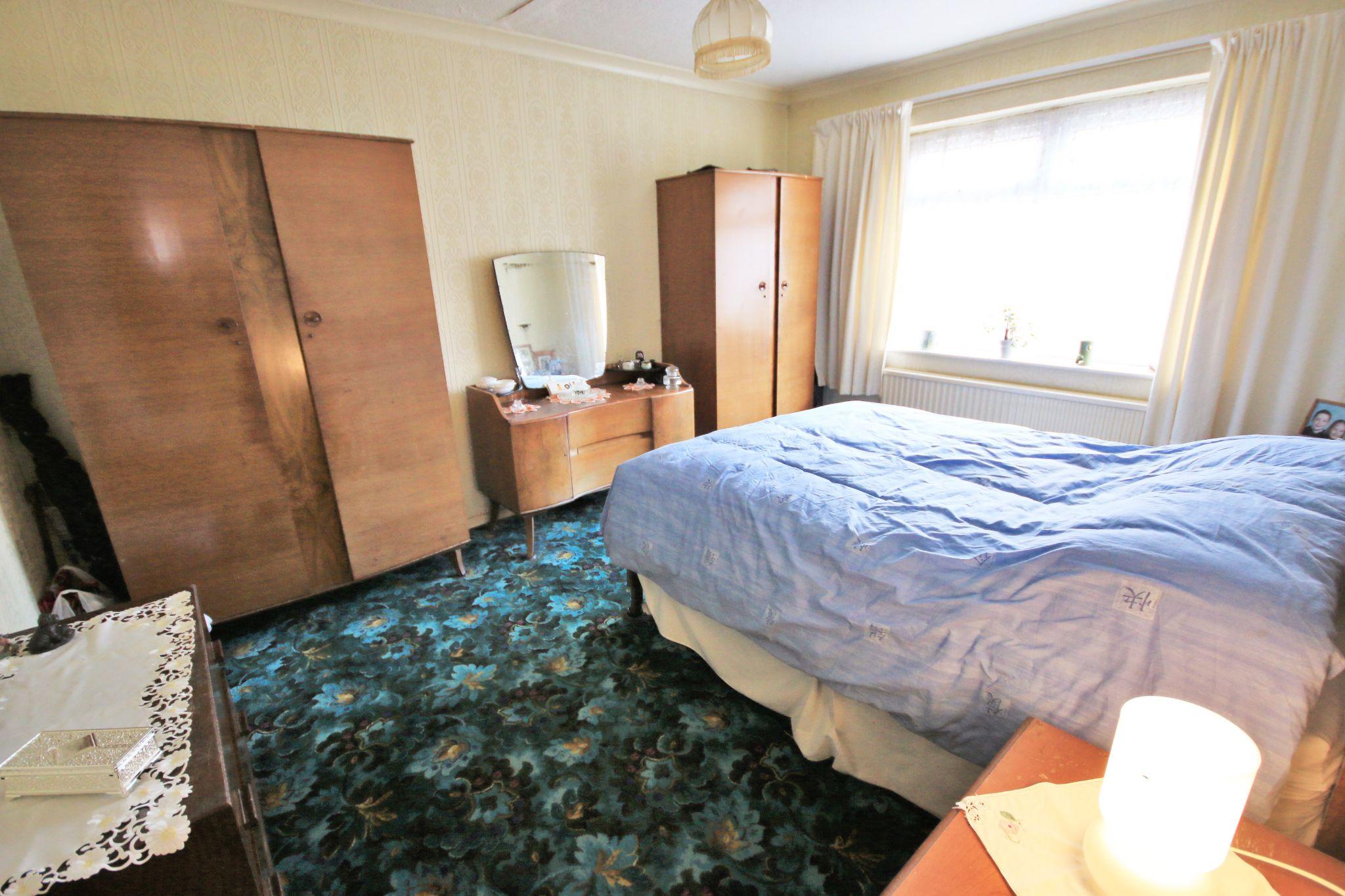 3 Bedroom Semi-detached Bungalow For Sale - Photograph 7