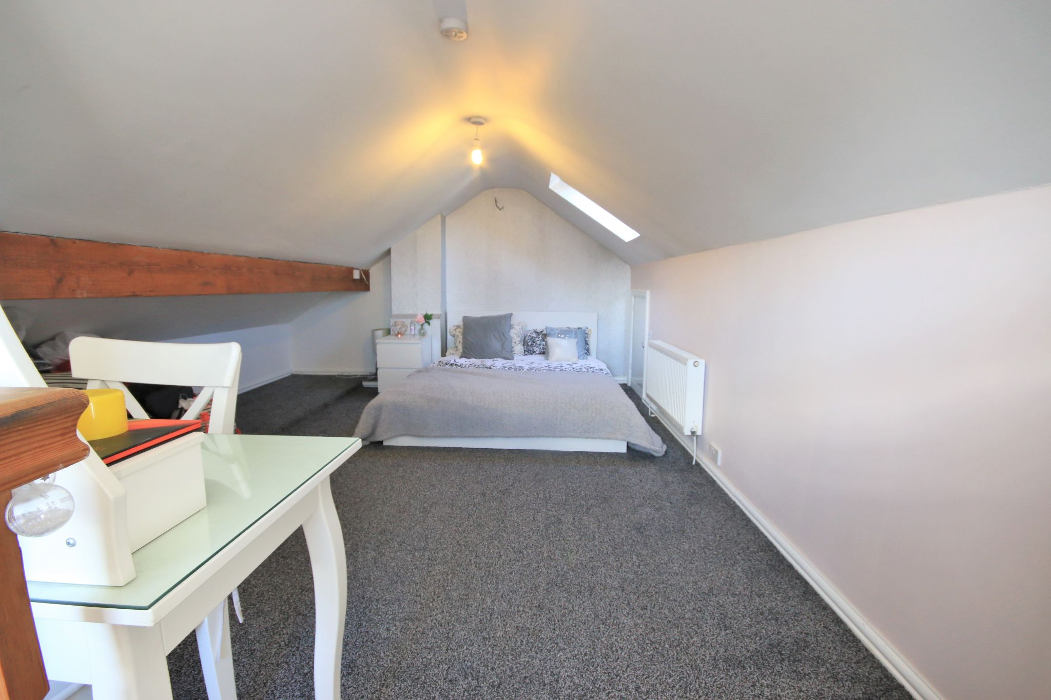 3 Bedroom Semi-detached House For Sale - Photograph 22