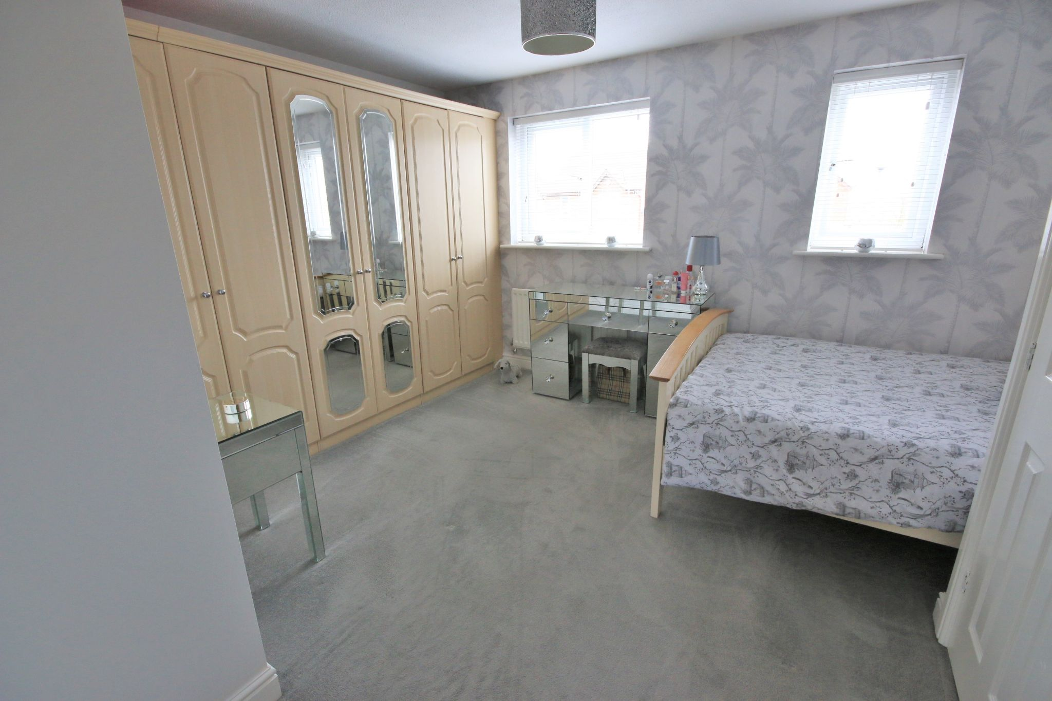 3 Bedroom Detached House To Rent - Photograph 7