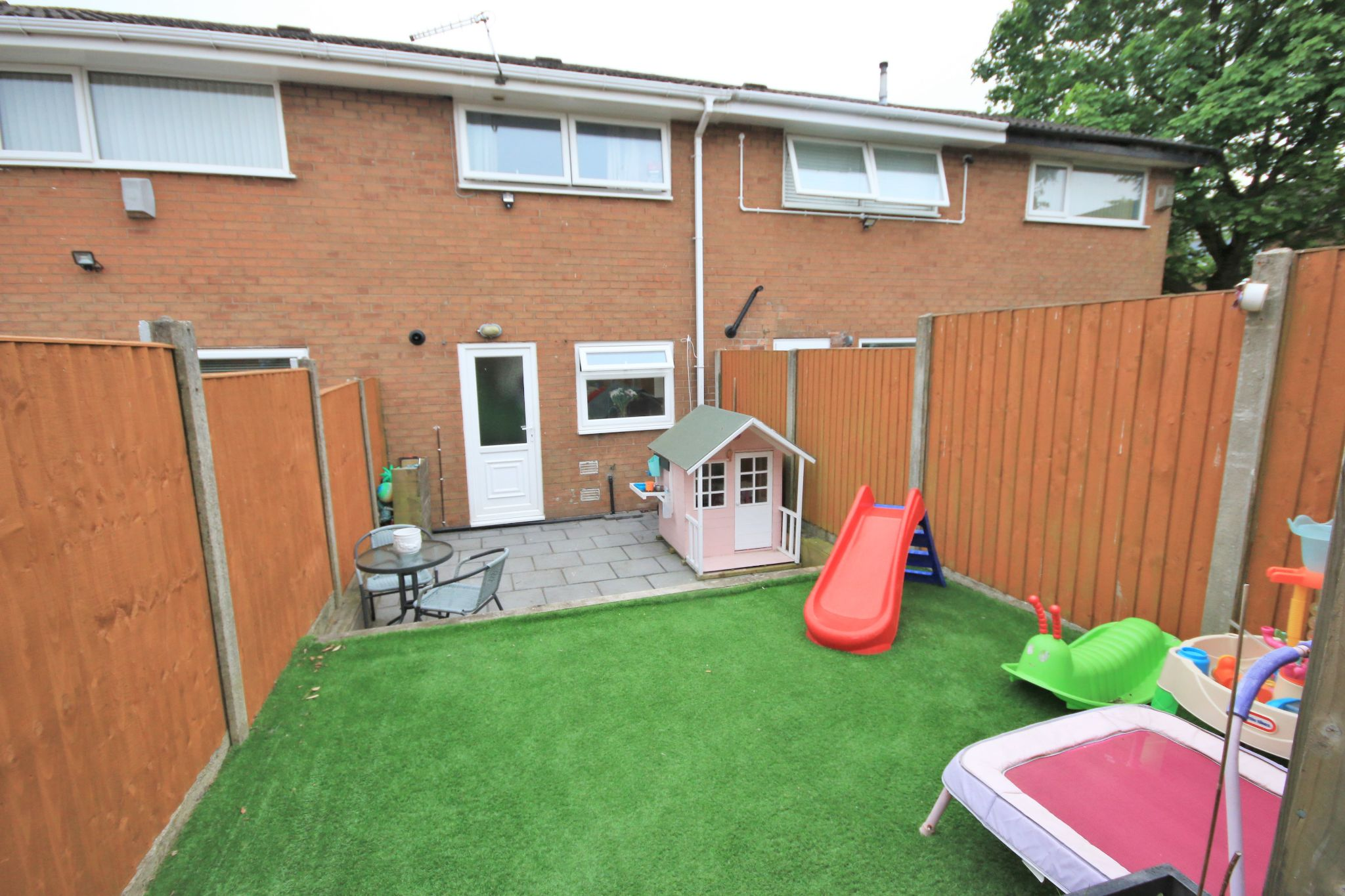 2 Bedroom Mid Terraced House For Sale - Photograph 15