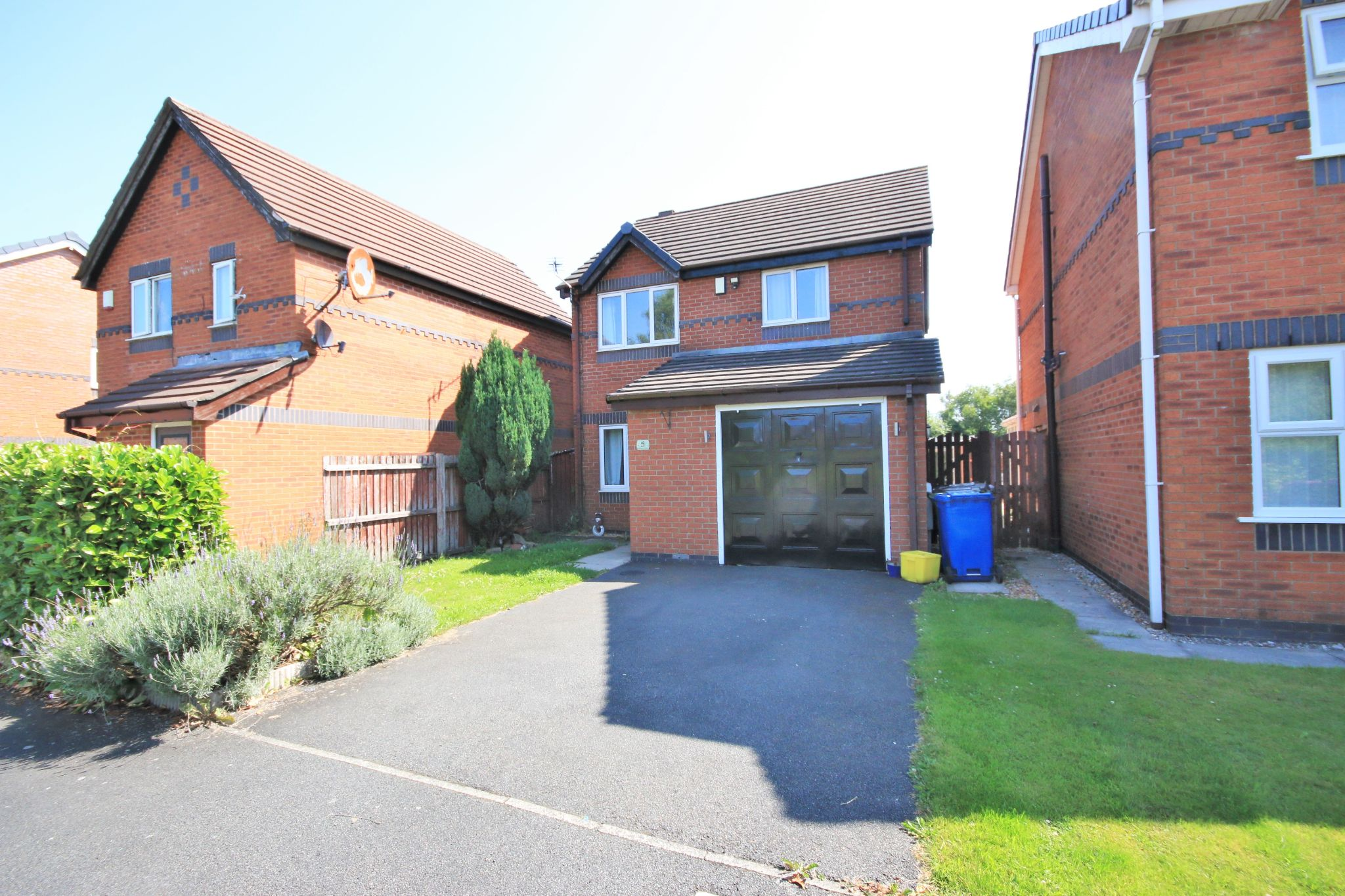3 bedroom detached house SSTC in Wigan - Photograph 1.
