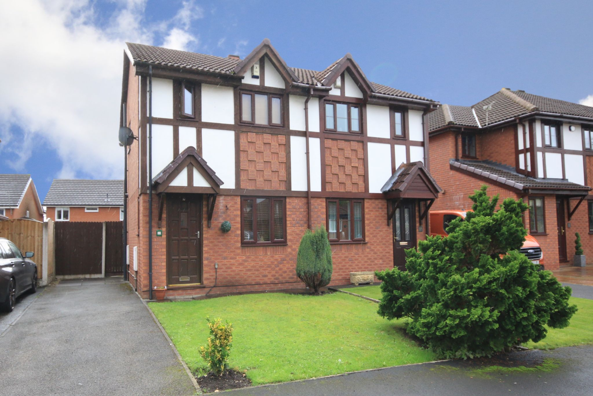 2 bedroom semi-detached house For Sale in Wigan - Photograph 3.