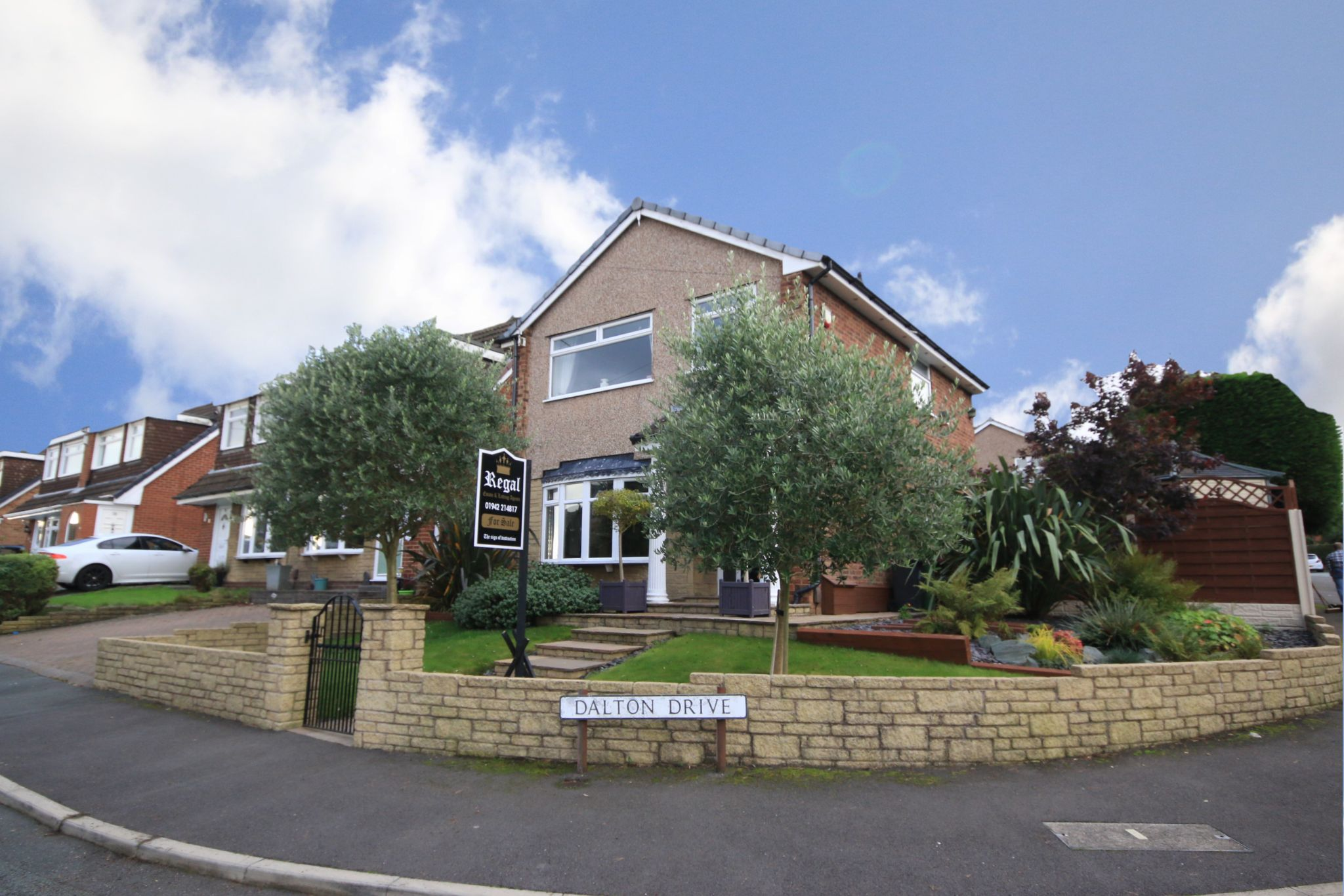 3 bedroom detached house For Sale in Wigan - Photograph 1.