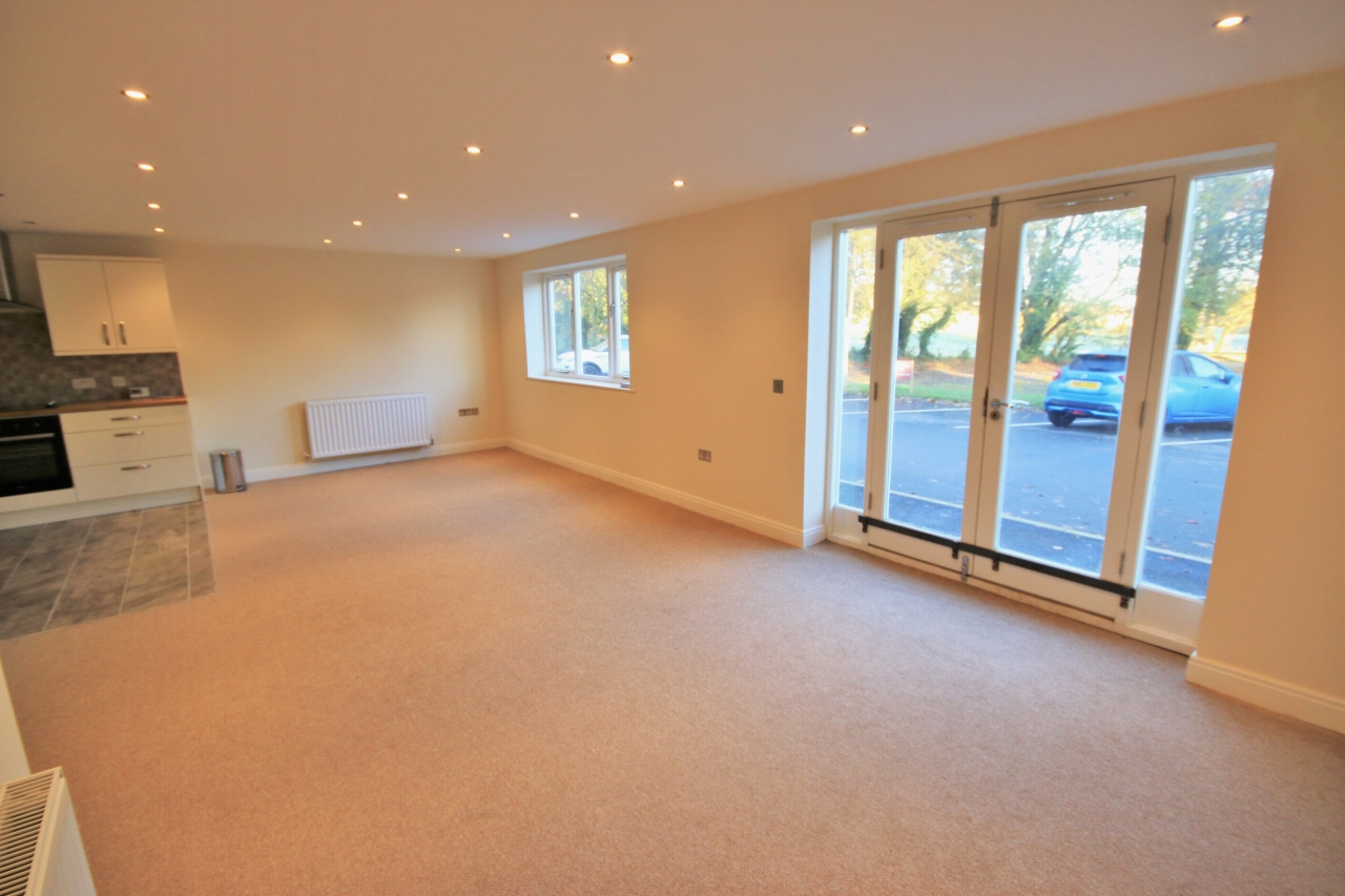 2 bedroom ground floor flat/apartment Let Agreed in West Lancashire - Photograph 1.