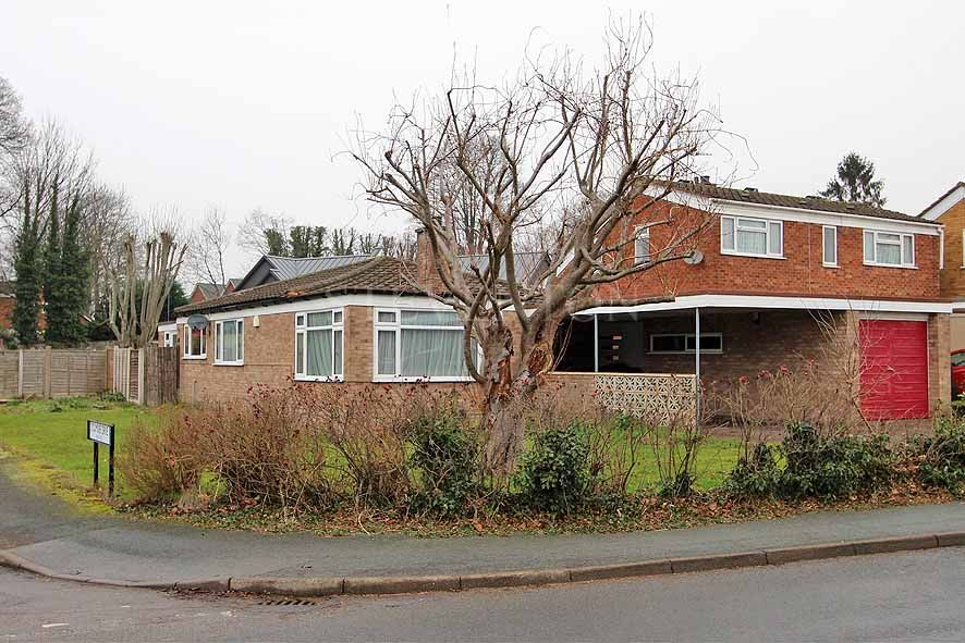 3 Bedroom Detached Bungalow For Sale in 37 Linden Lea e871a33033be6