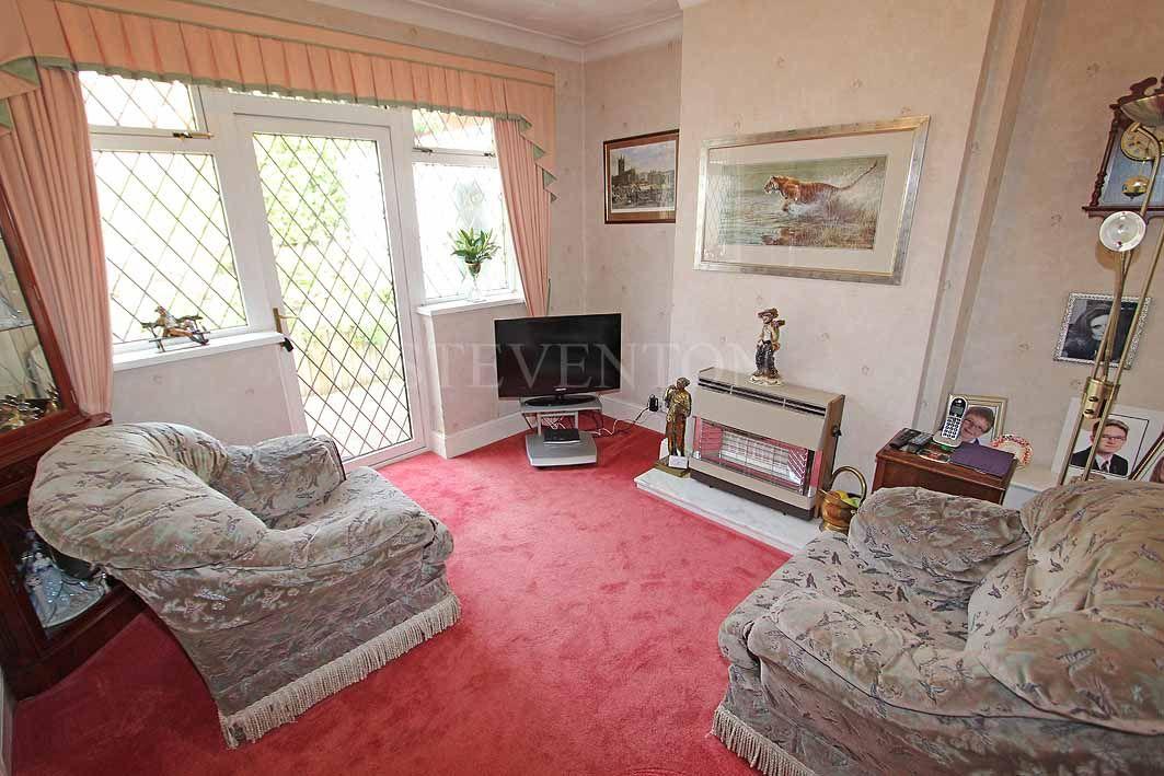 3 Bedroom Detached Bungalow For Sale - Photograph 3