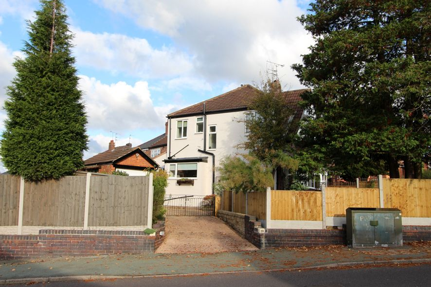3 Bedroom Semi-detached House For Sale - Photograph 23