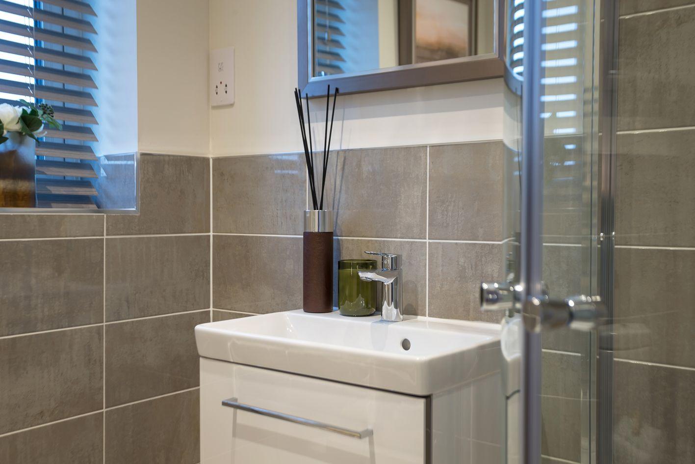 2 Bedroom Detached Bungalow For Sale - Photograph 9