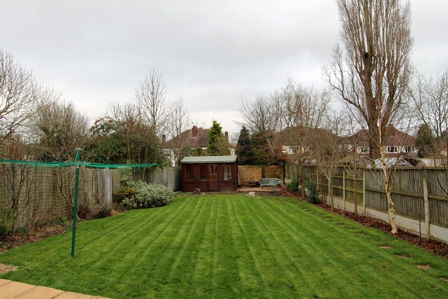 4 Bedroom Semi-detached House For Sale - Photograph 20