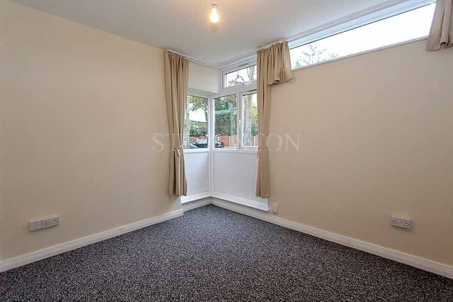 2 Bedroom Apartment Flat/apartment For Sale - Photograph 9
