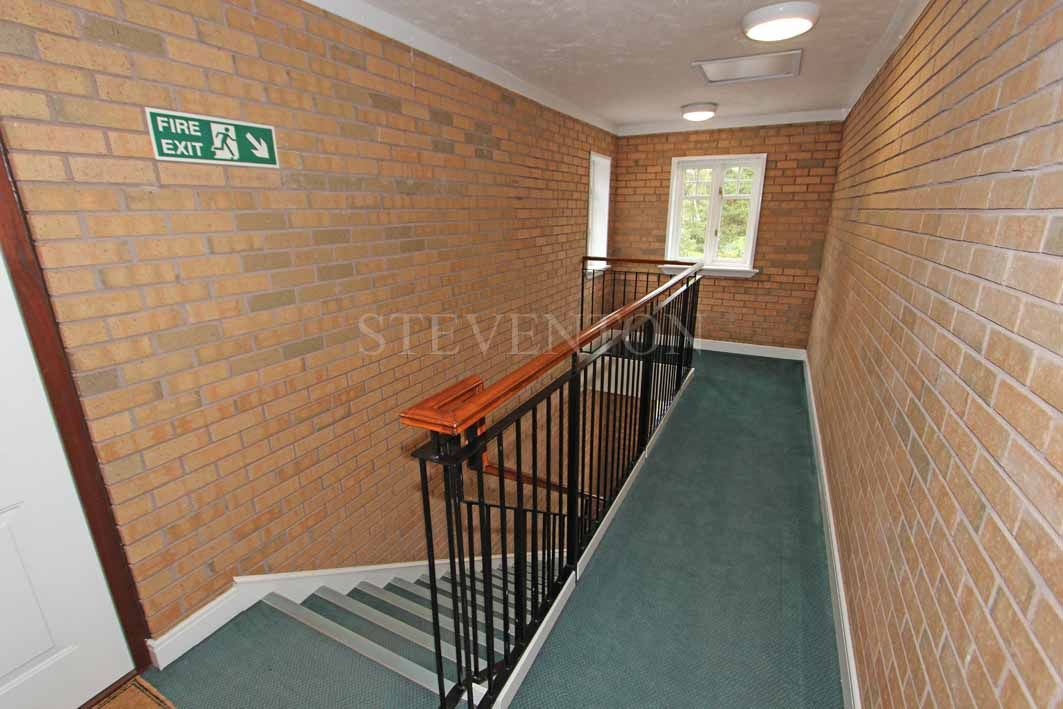 1 Bedroom Apartment Flat/apartment For Sale - Photograph 12