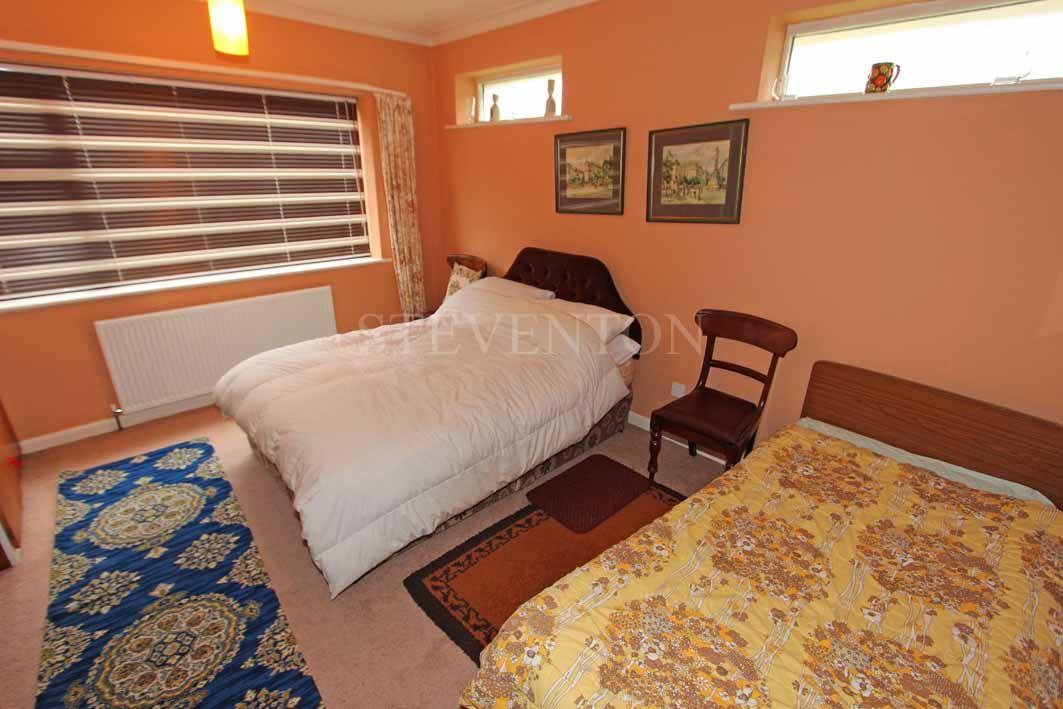 2 Bedroom Detached Bungalow For Sale - Photograph 7