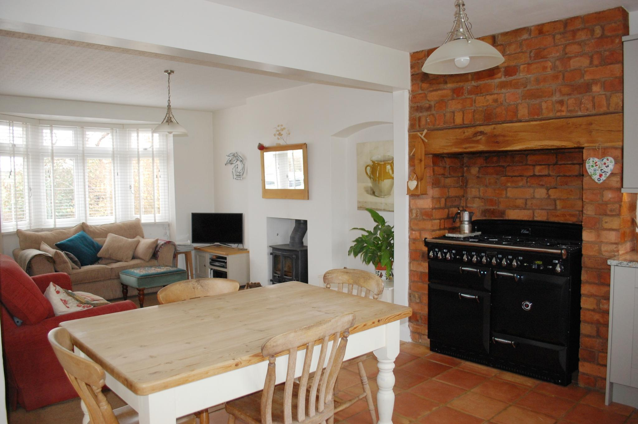 4 bedroom detached house For Sale in Marlcliff, Bidford On Avon, Alcester - Property photograph