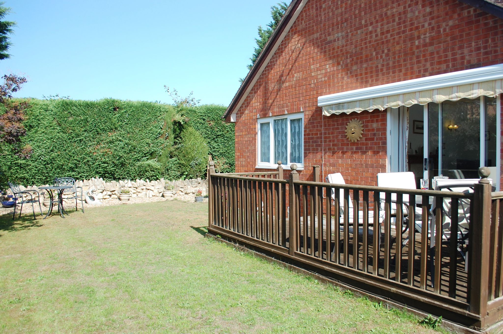 3 bedroom detached bungalow For Sale in Bidford-on-avon, Alcester - Property photograph