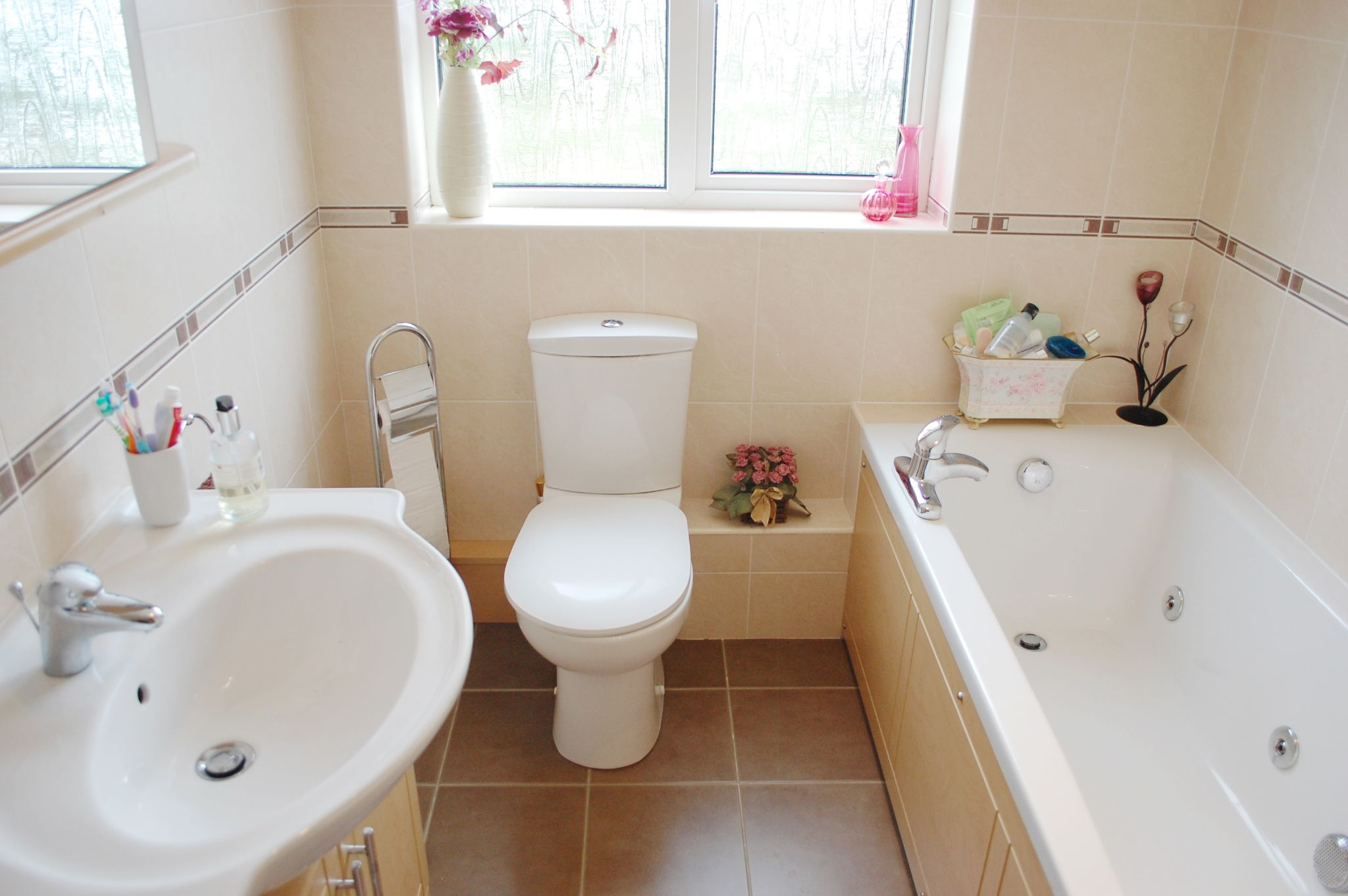 4 bedroom detached house SSTC in Broom Lane, Dunnington, Alcester - Photograph 23