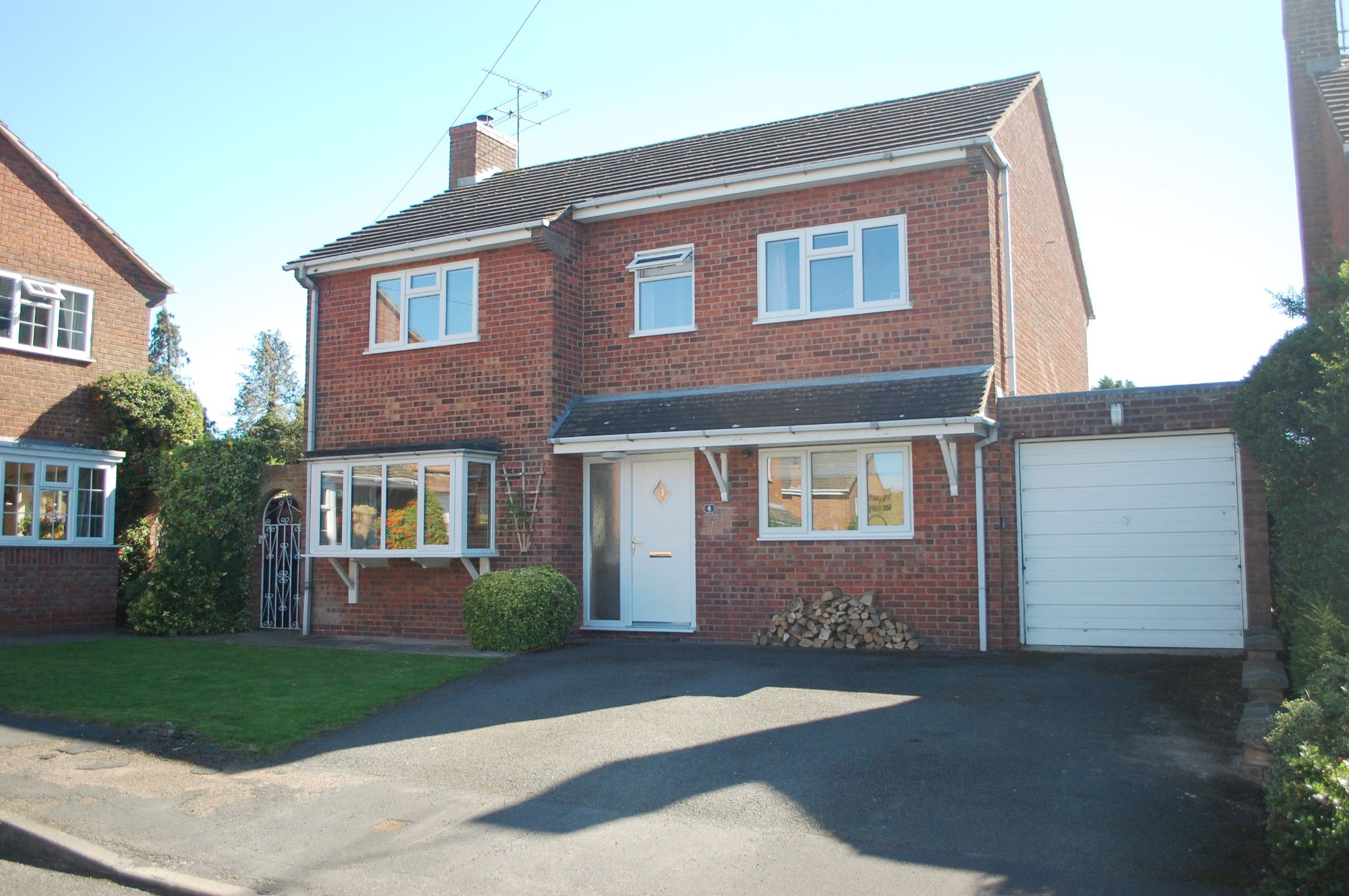4 bedroom detached house For Sale in Welford On Avon, Stratford-upon-avon - Property photograph