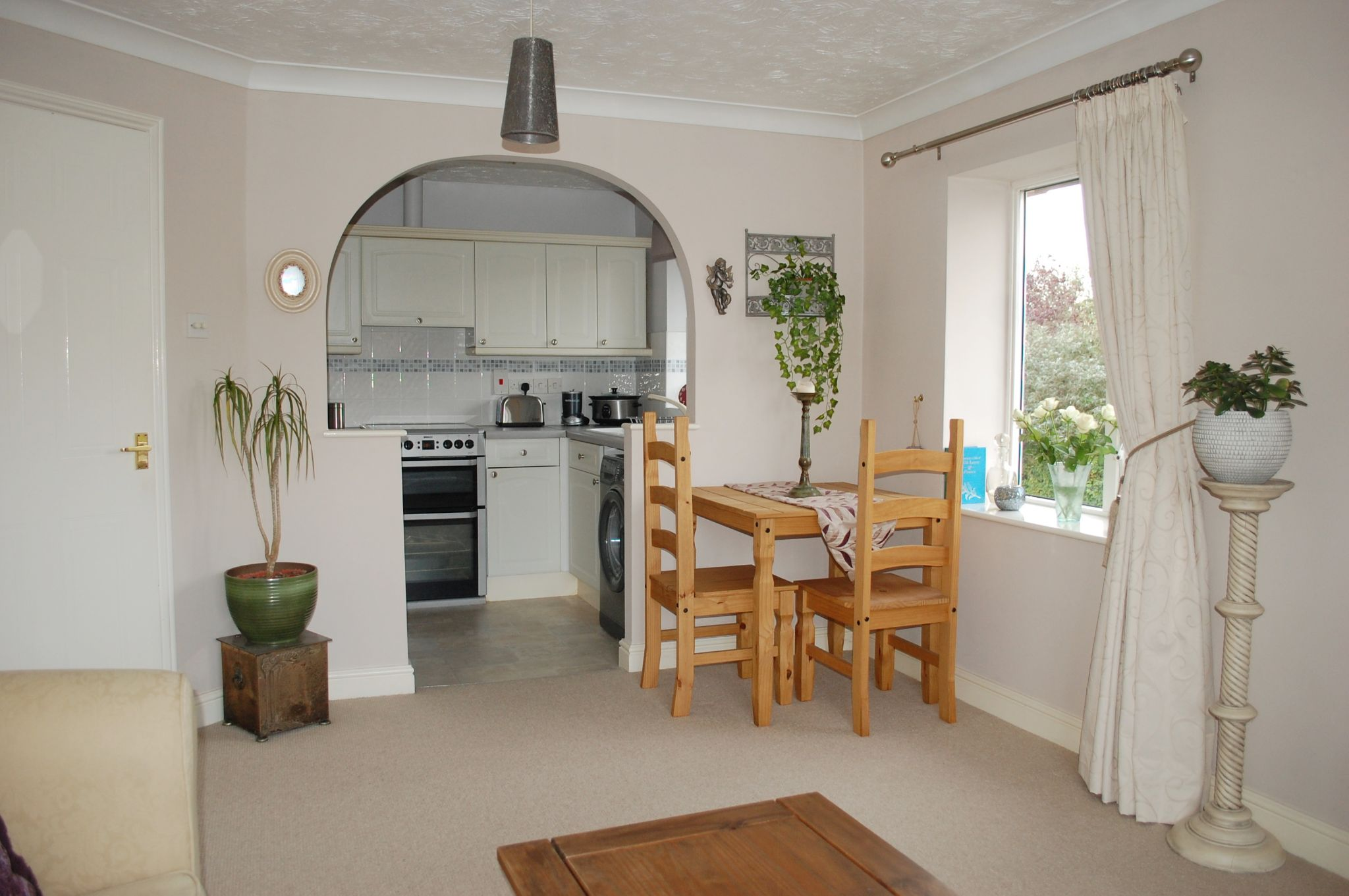 2 bedroom apartment flat/apartment For Sale Alcester - Property photograph