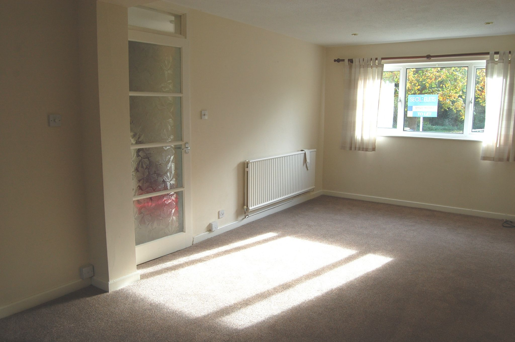 3 bedroom mid terraced house To Let Alcester - Property photograph