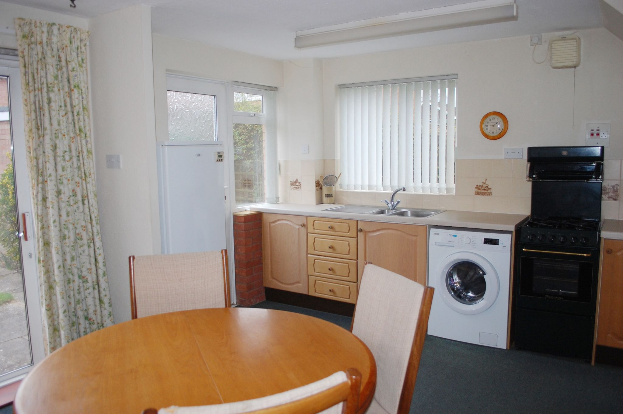 3 bedroom semi-detached house For Sale in Alcester - Property photograph
