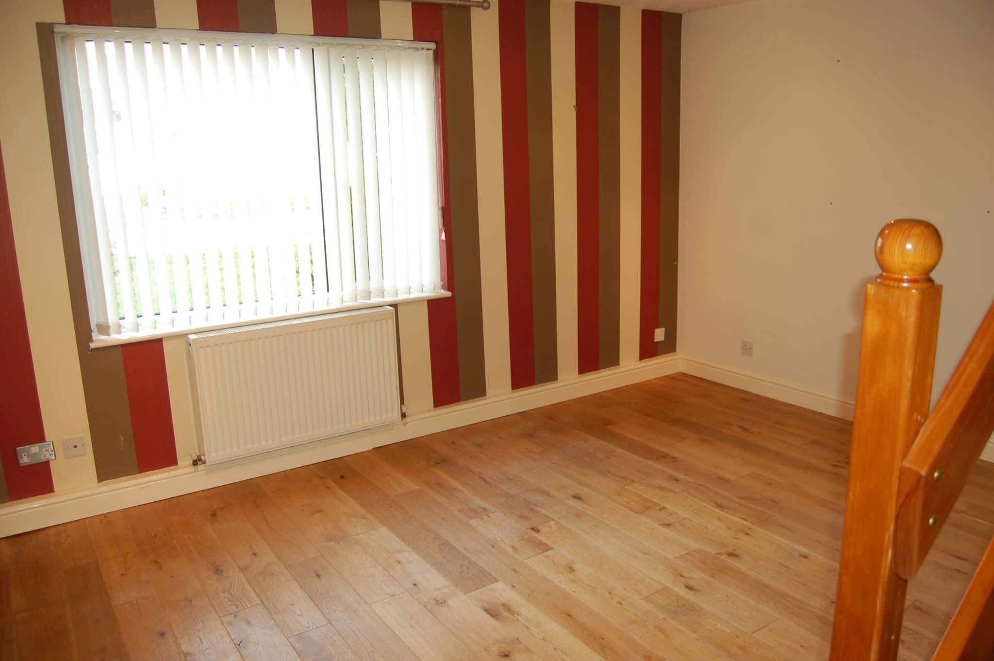 2 bedroom mid terraced house For Sale Alcester - Property photograph