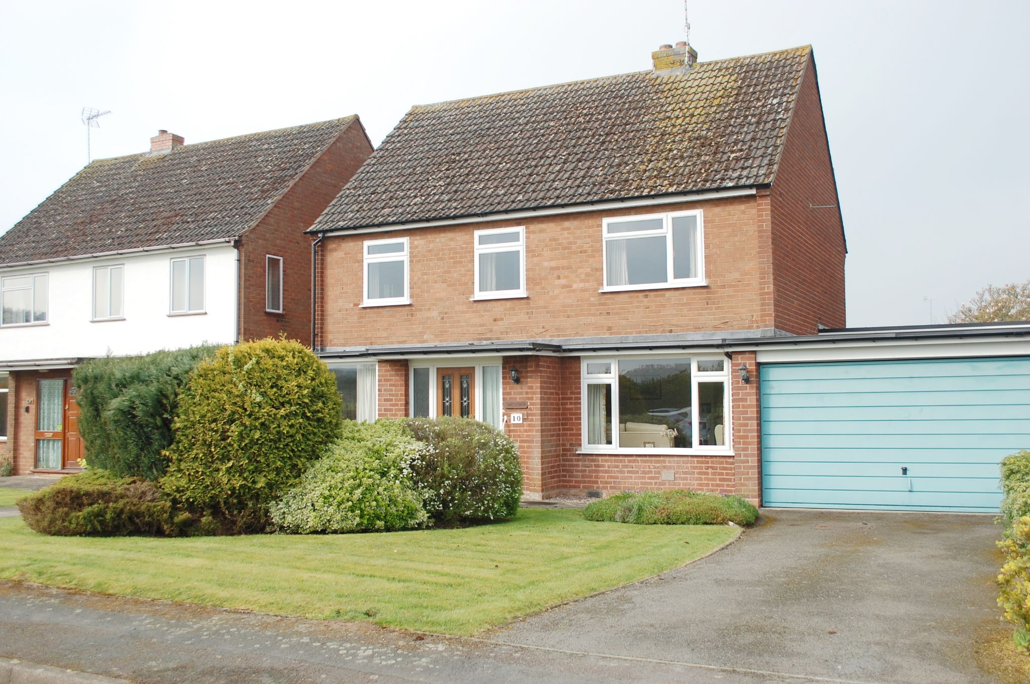 3 bedroom detached house For Sale in Oversley Green, Alcester - Property photograph