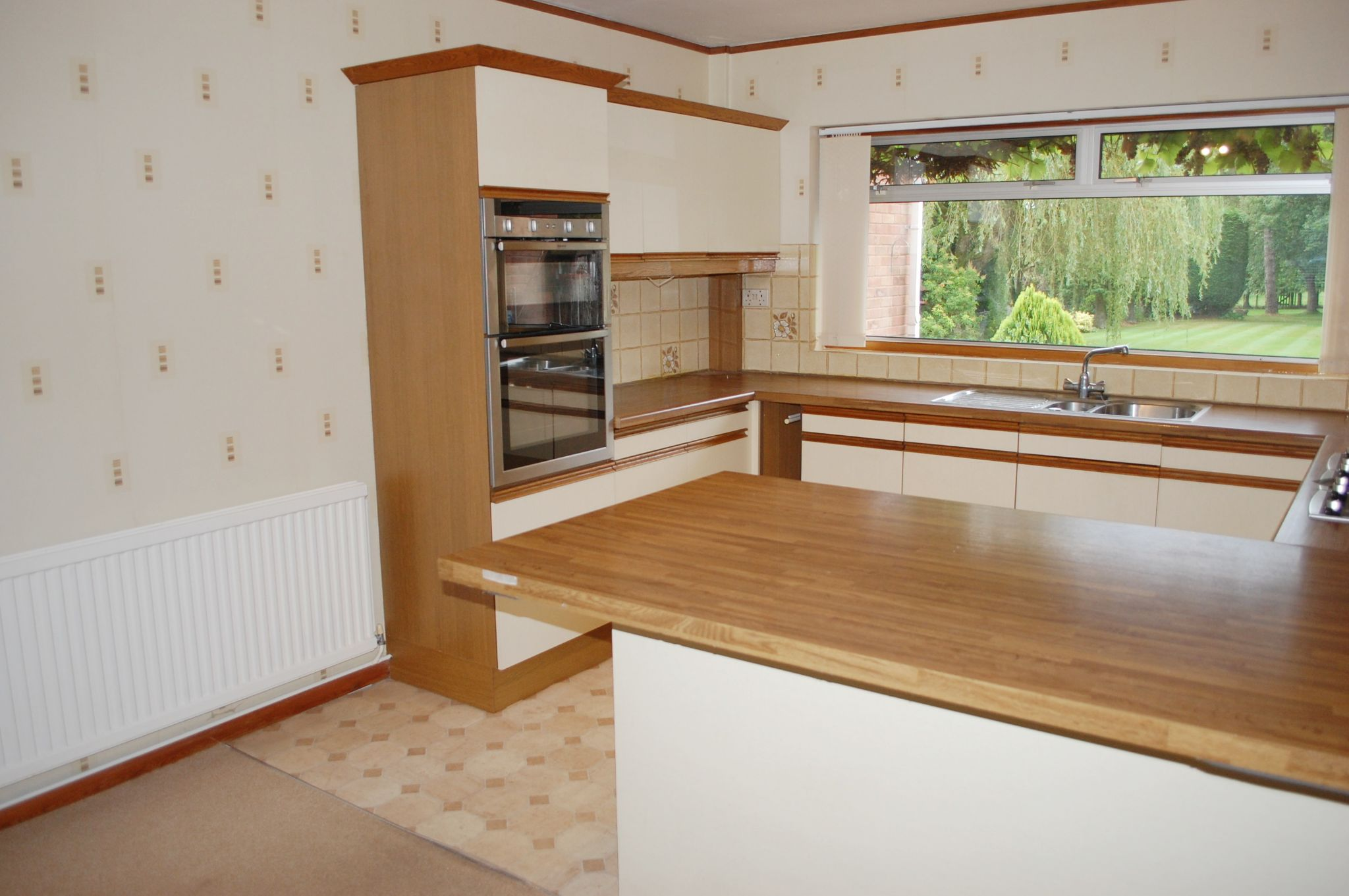 4 bedroom detached house SSTC in Kings Coughton, Alcester - Photograph 7