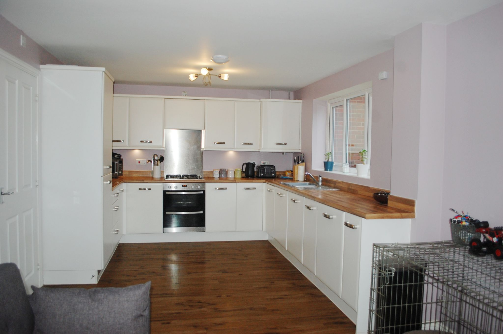 4 bedroom detached house For Sale in Bidford On Avon, Alcester - Property photograph