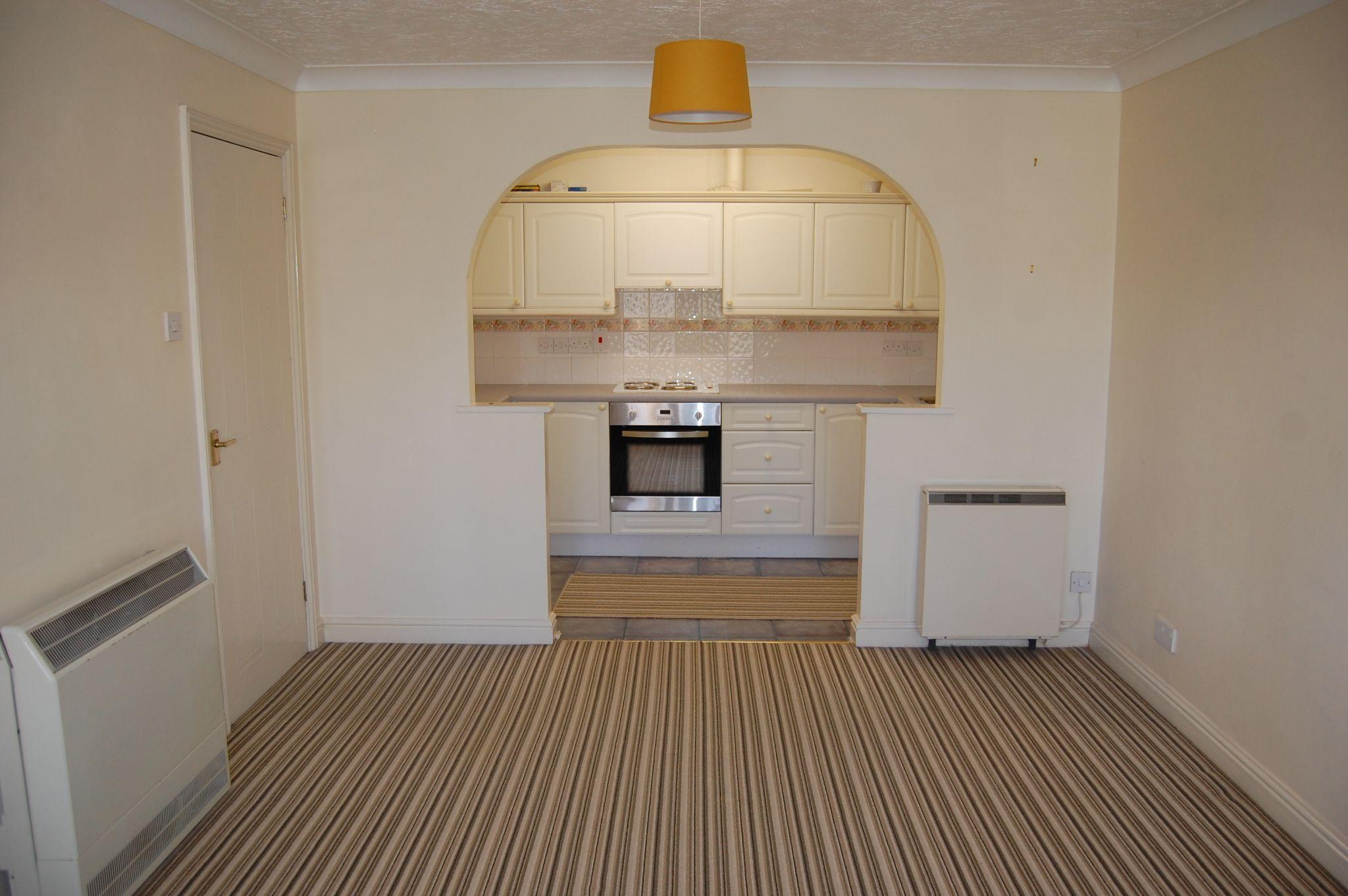 1 bedroom ground floor maisonette flat/apartment For Sale Alcester - Property photograph