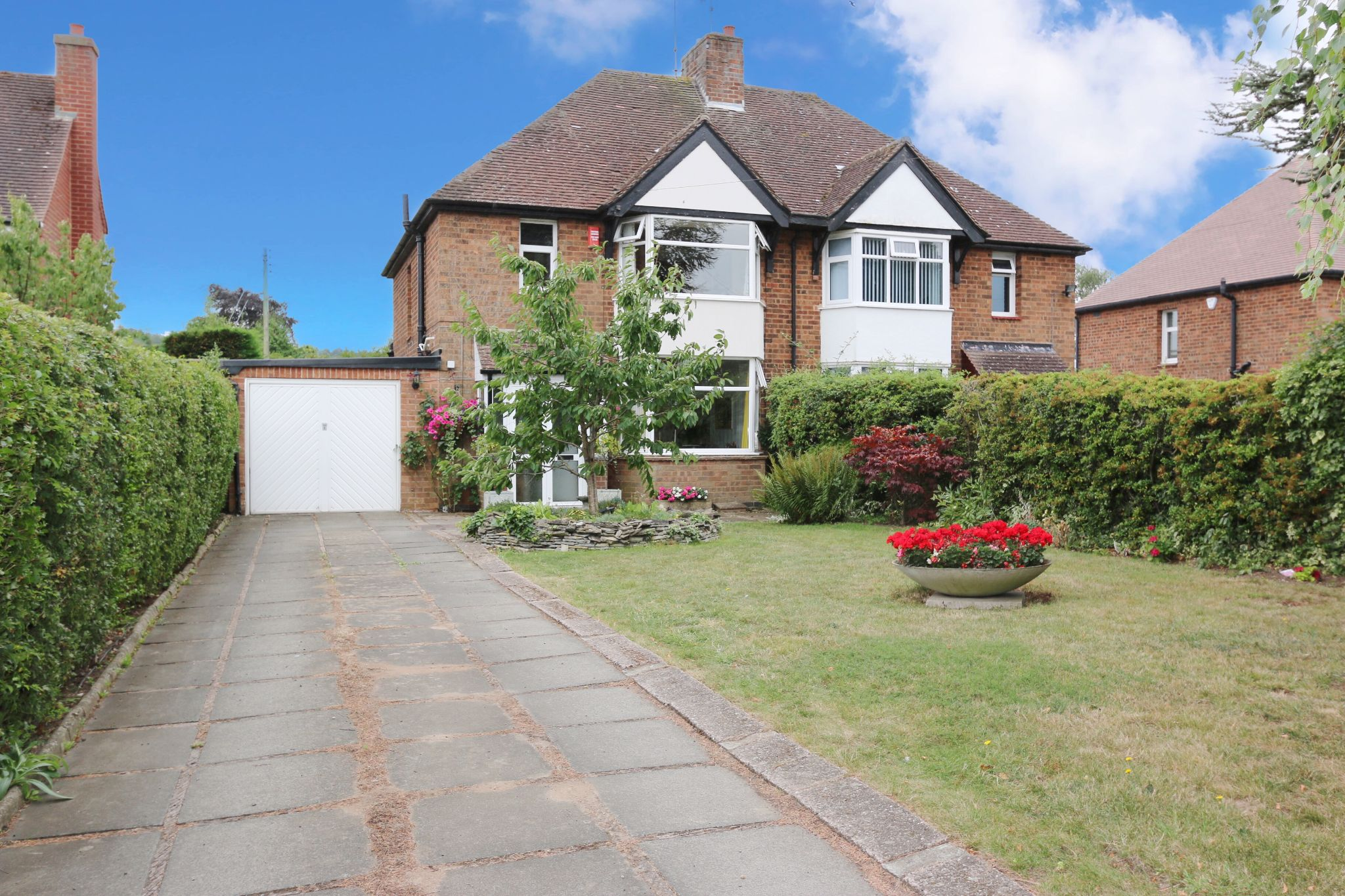 3 bedroom semi-detached house For Sale in Oversley Green, Alcester - Property photograph