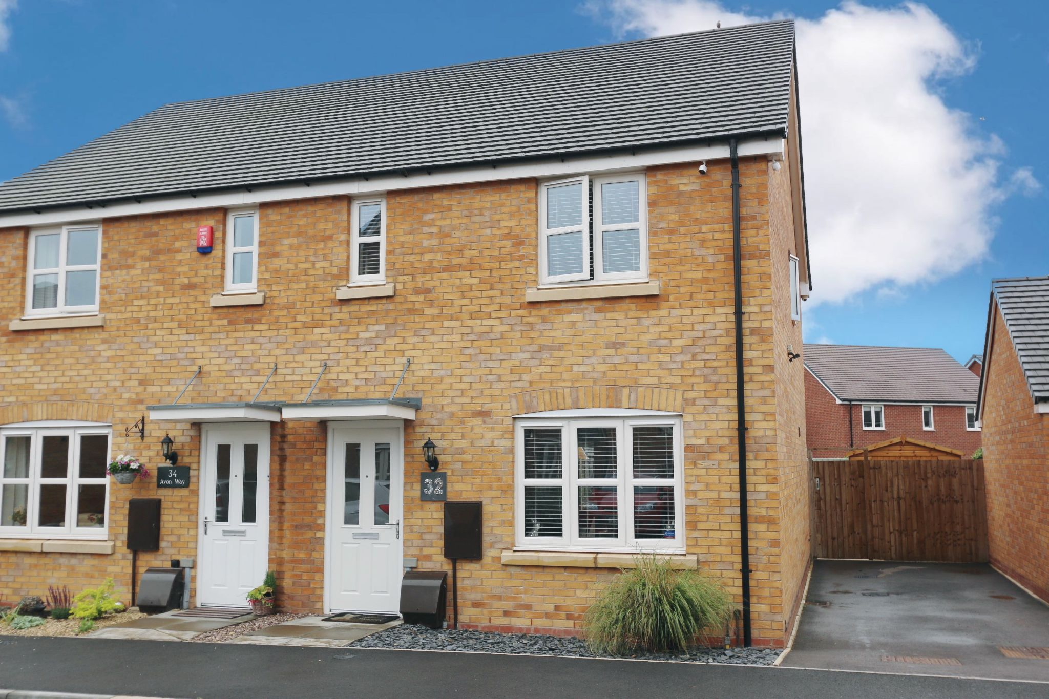 3 bedroom semi-detached house For Sale in Bidford On Avon, Alcester - Property photograph