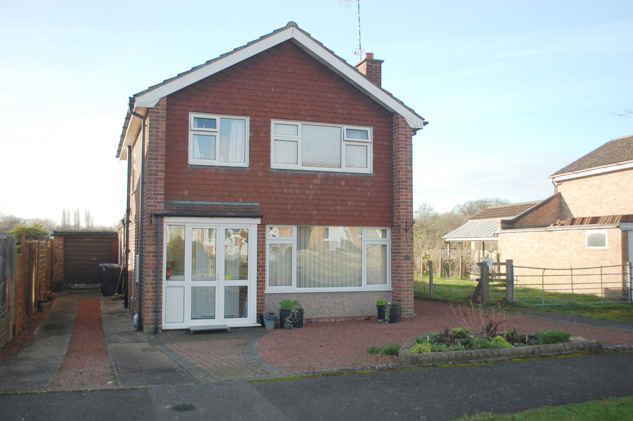 3 bedroom detached house SSTC Alcester - Photograph 1