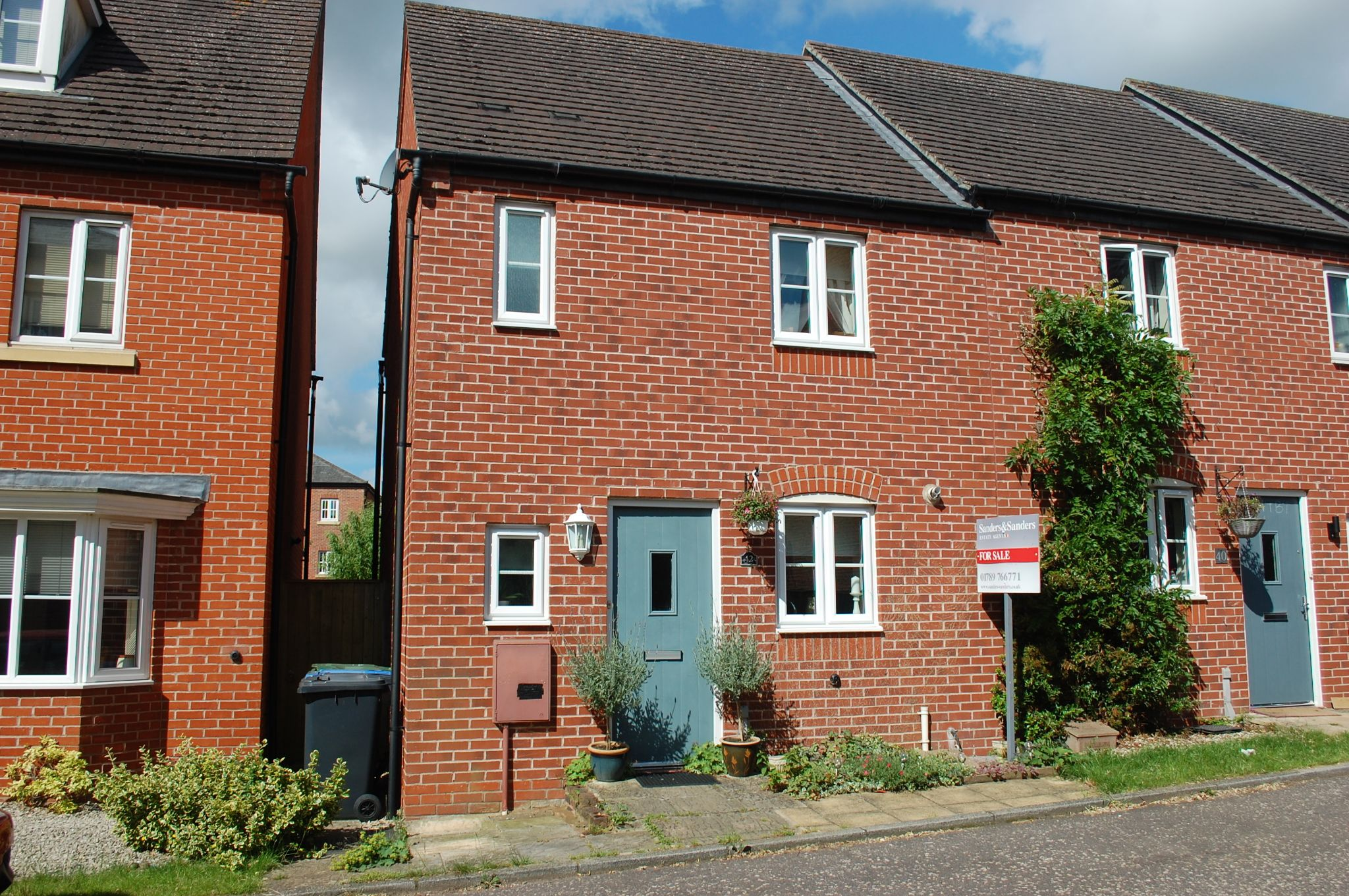 2 bedroom end terraced house For Sale in Bidford On Avon, Alcester - Property photograph