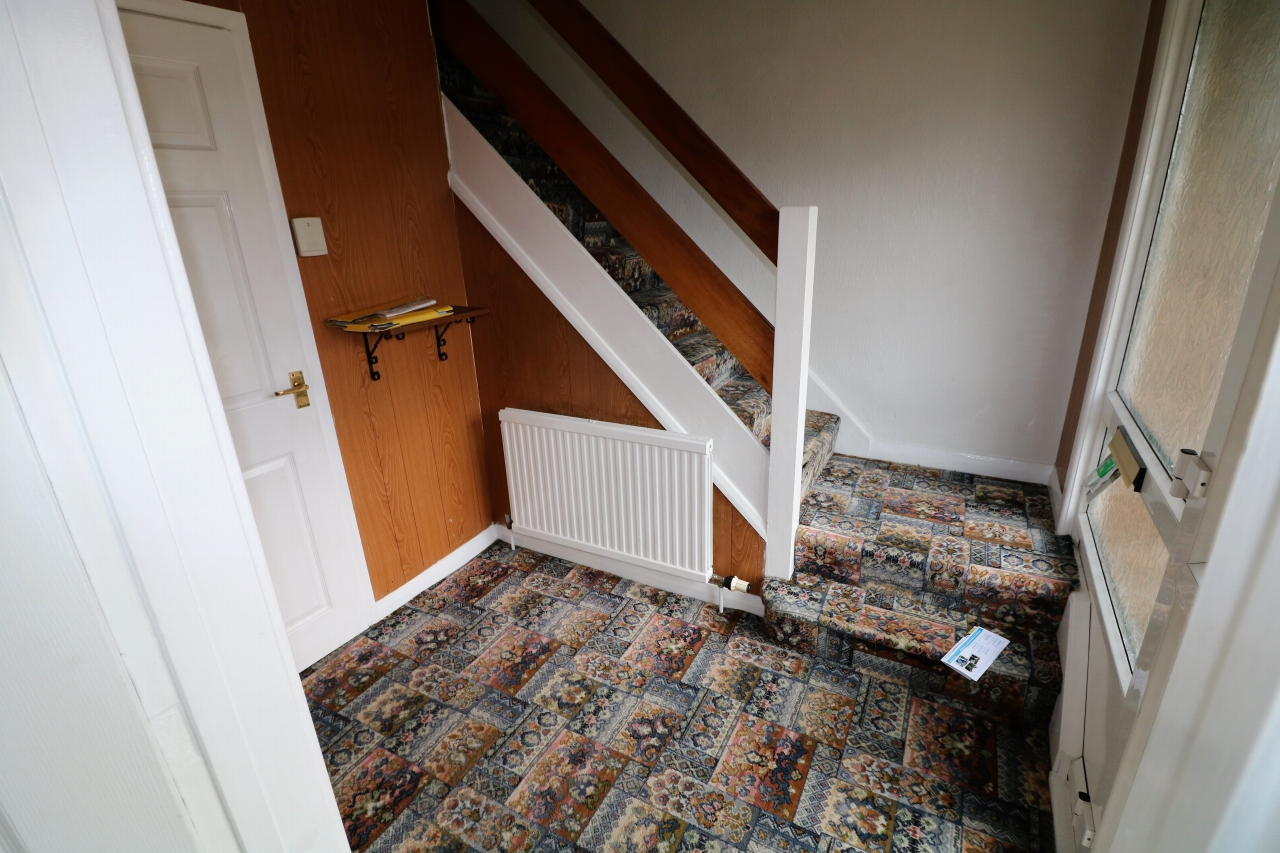 5 Bedroom Semi-detached House For Sale - Photograph 9