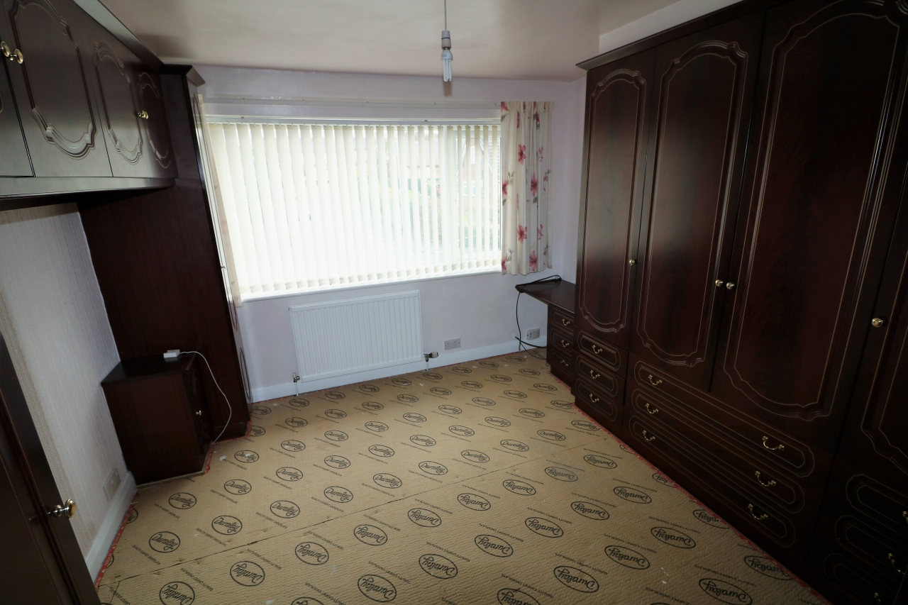5 Bedroom Semi-detached House For Sale - Photograph 13