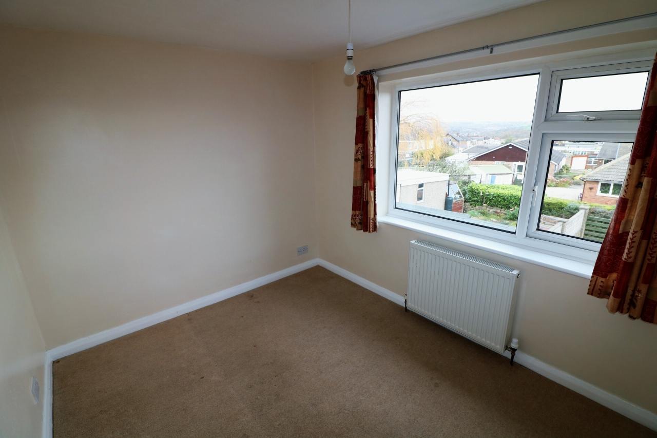 5 Bedroom Semi-detached House For Sale - Photograph 15