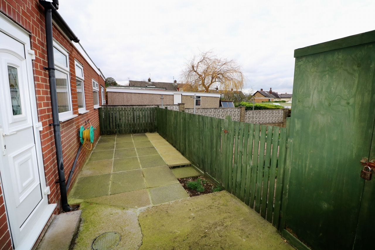 5 Bedroom Semi-detached House For Sale - Photograph 17