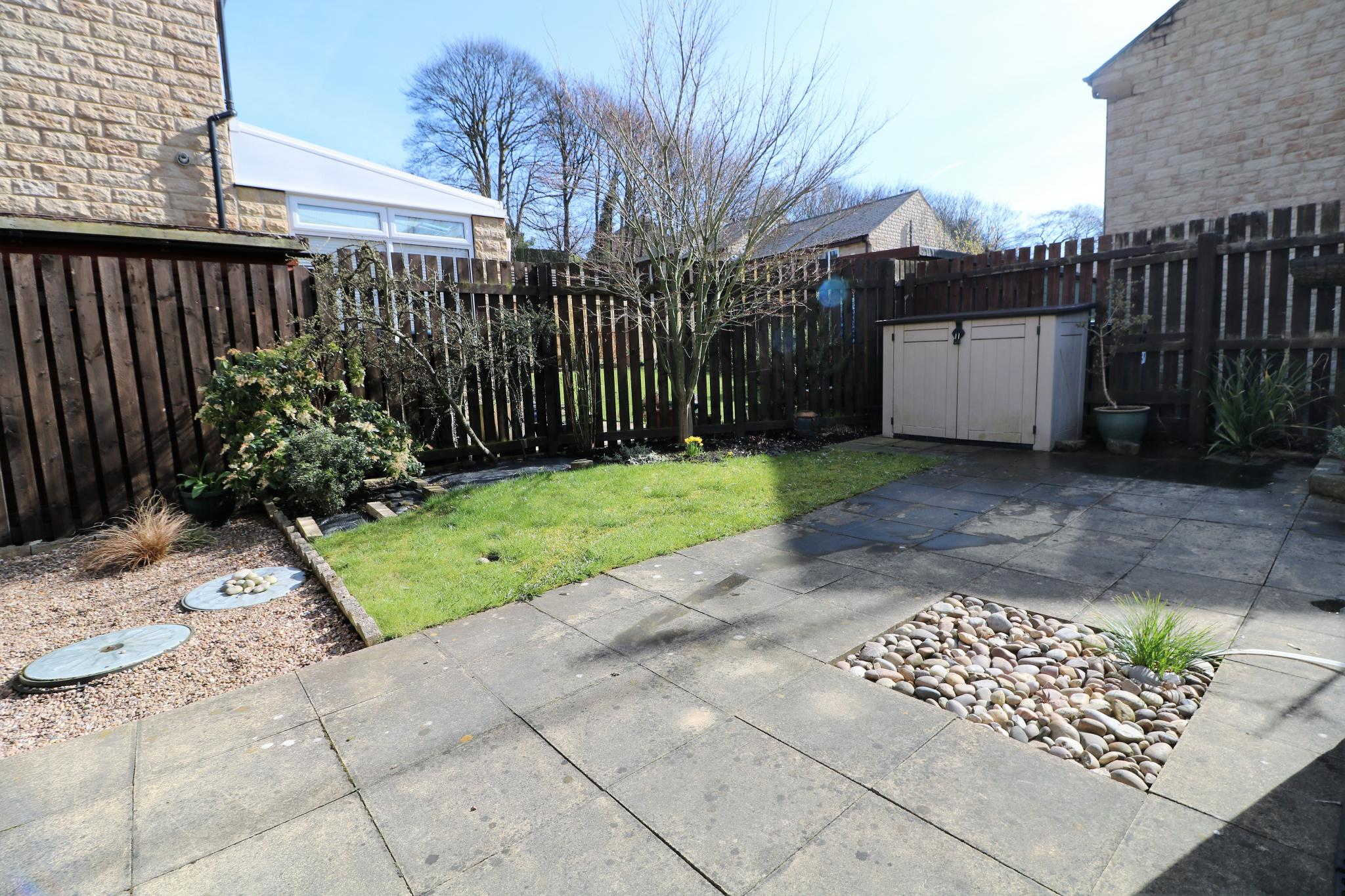 2 Bedroom Semi-detached House For Sale - Photograph 16