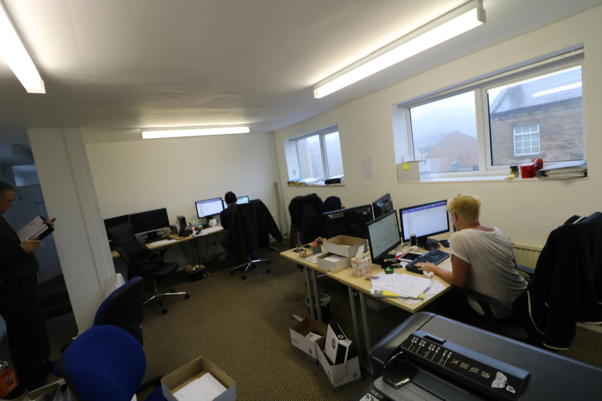 Office For Sale - Photograph 4