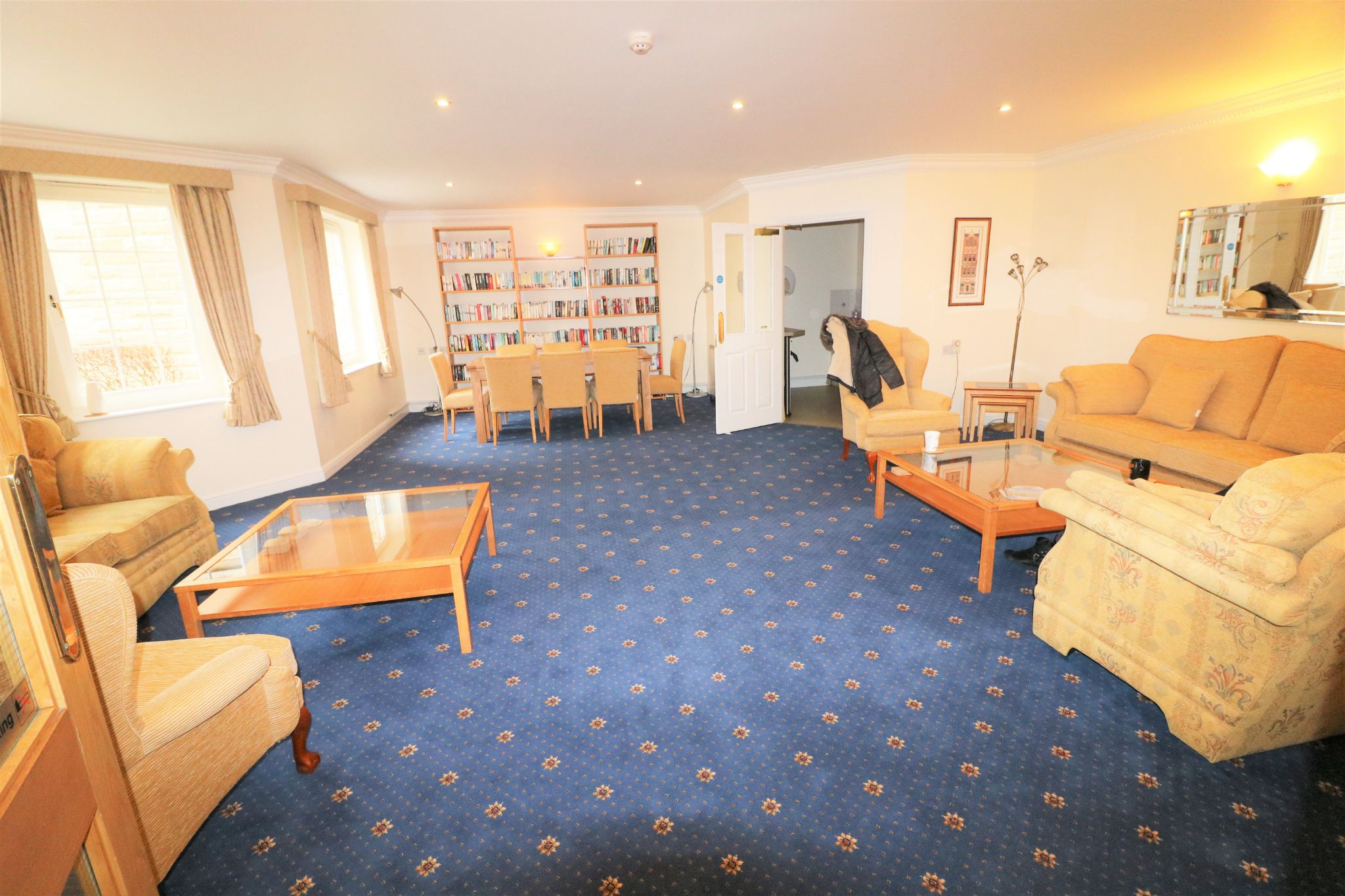 1 Bedroom Penthouse Flat/apartment For Sale - Photograph 13