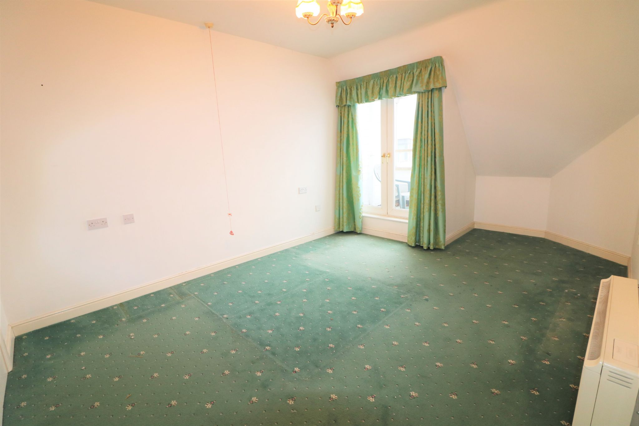 1 Bedroom Penthouse Flat/apartment For Sale - Photograph 8