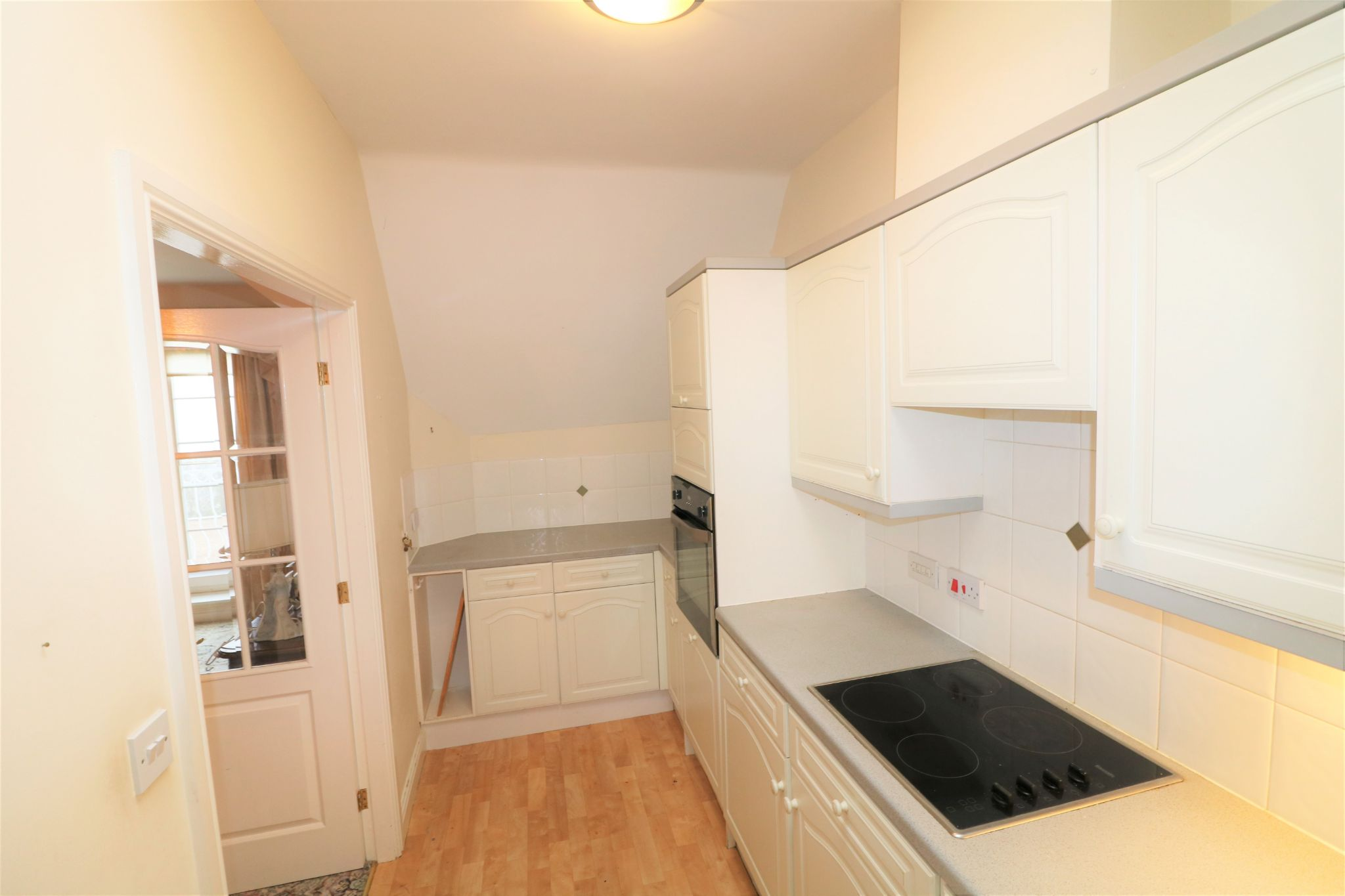 1 Bedroom Penthouse Flat/apartment For Sale - Photograph 7