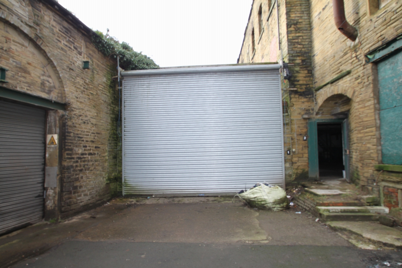 Commercial Property To Rent - Image 1