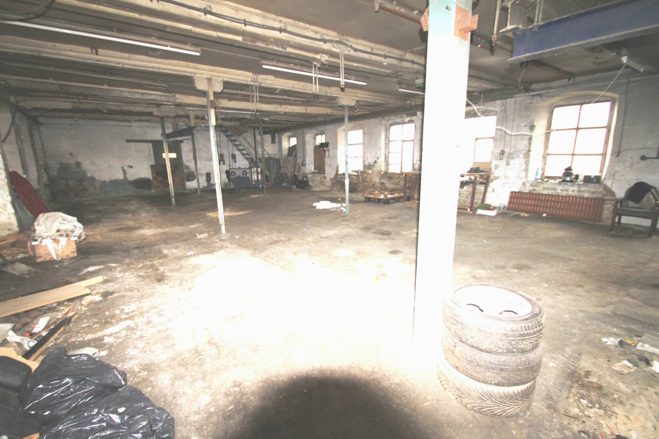 Commercial Property To Rent - Image 2