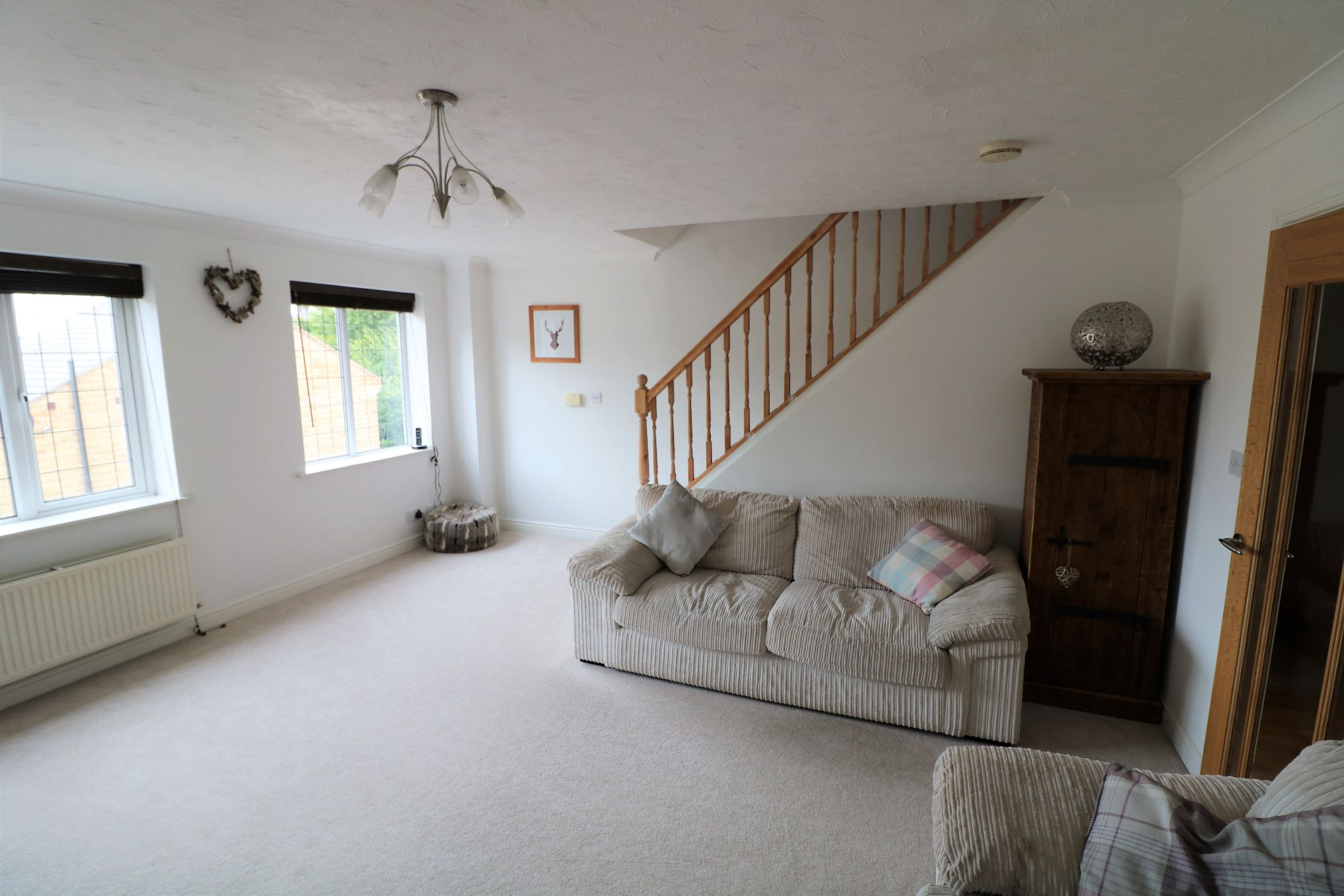 3 Bedroom Town House For Sale - Photograph 9