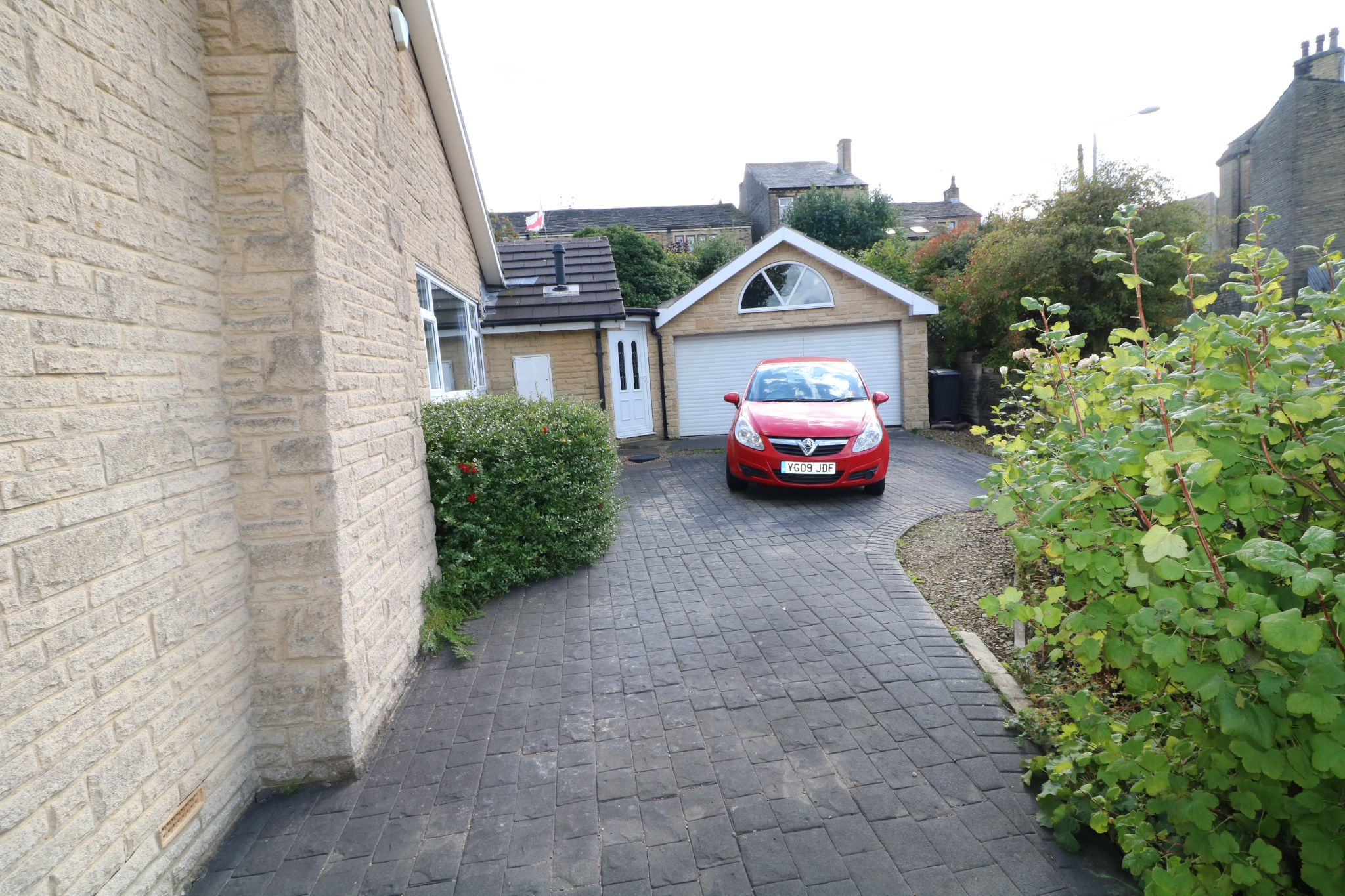 3 Bedroom Detached Bungalow For Sale - Photograph 23