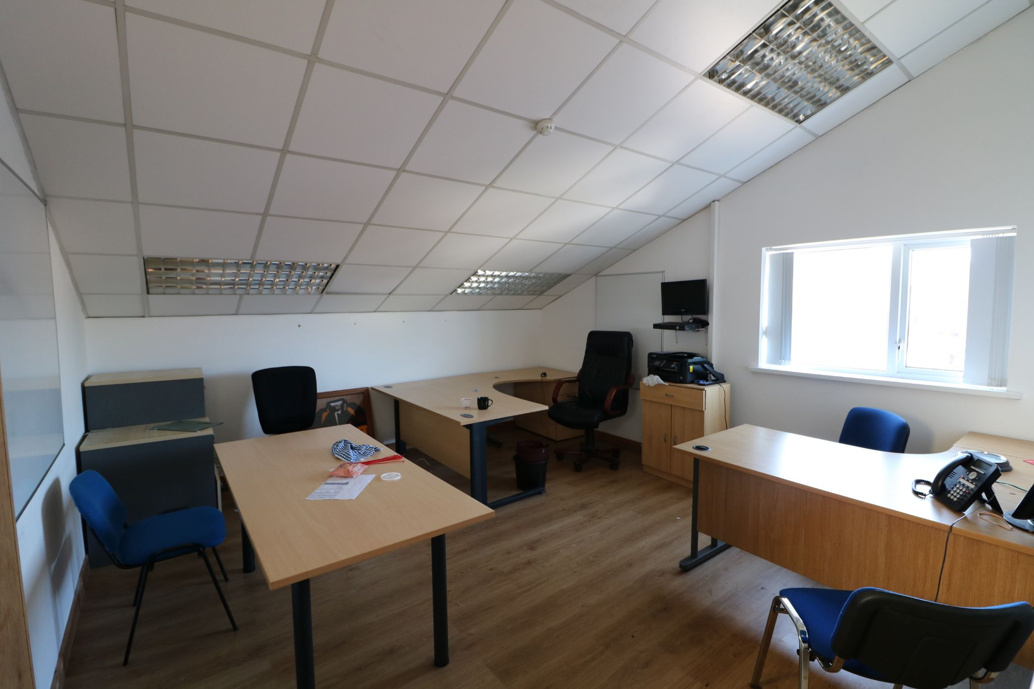 Business Park To Rent - Photograph 14